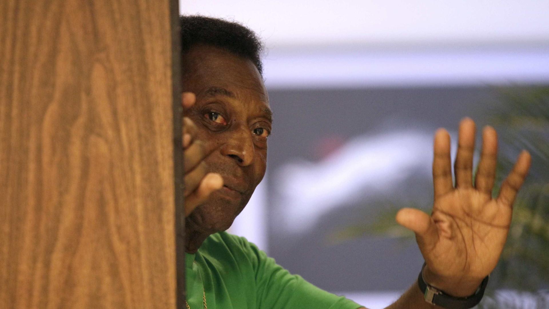 Após declaração do filho, Pelé divulga nota e afirma estar bem