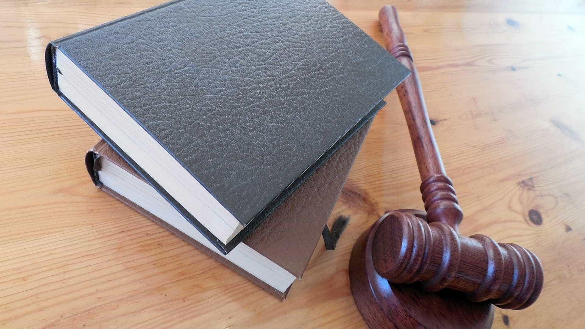 Juízes liberam presos por risco de lotação em cadeias