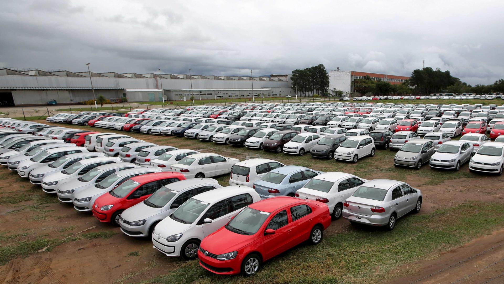 Vendas de veículos têm pior fevereiro em 3 anos; falta de peça atrapalha produção