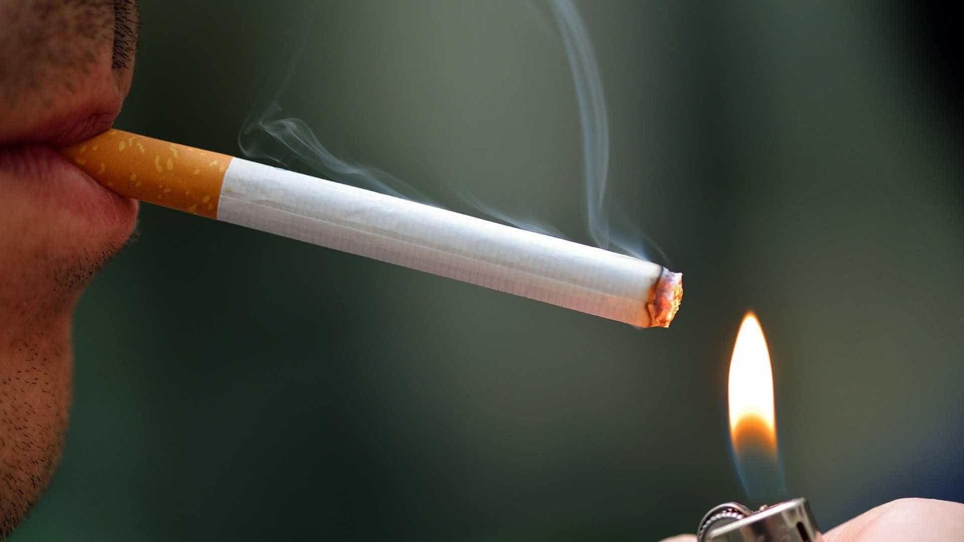 Restrições e impostos para cigarros têm que aumentar, diz especialista
