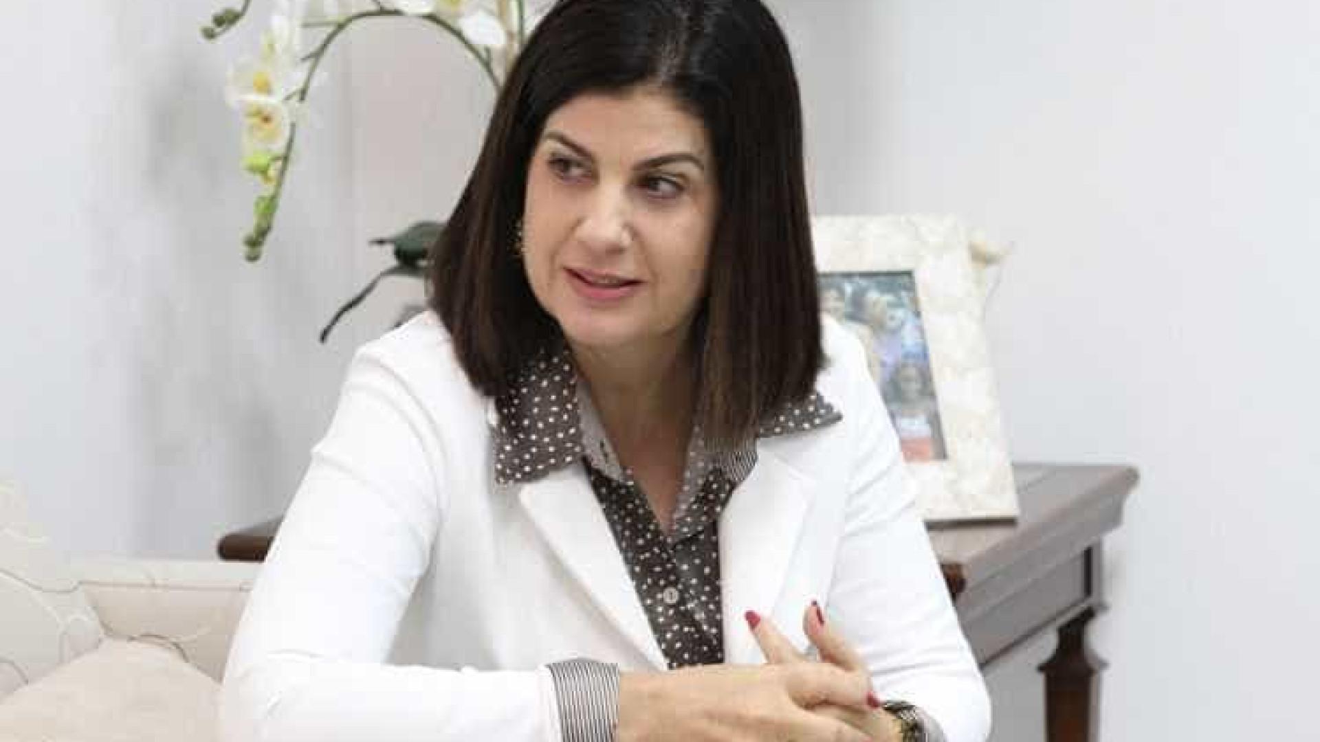 Rosinha Garotinho defende tratamento urgente de marido