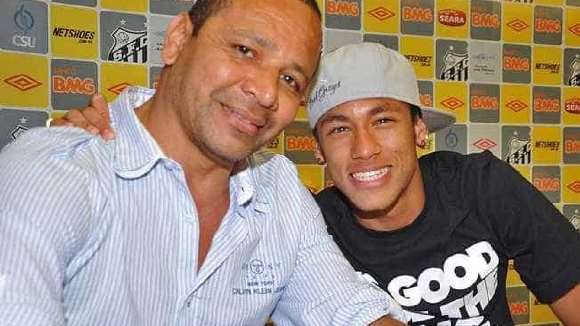 Neymar pai defende filho de críticas e diz que ele não é 'mimado'