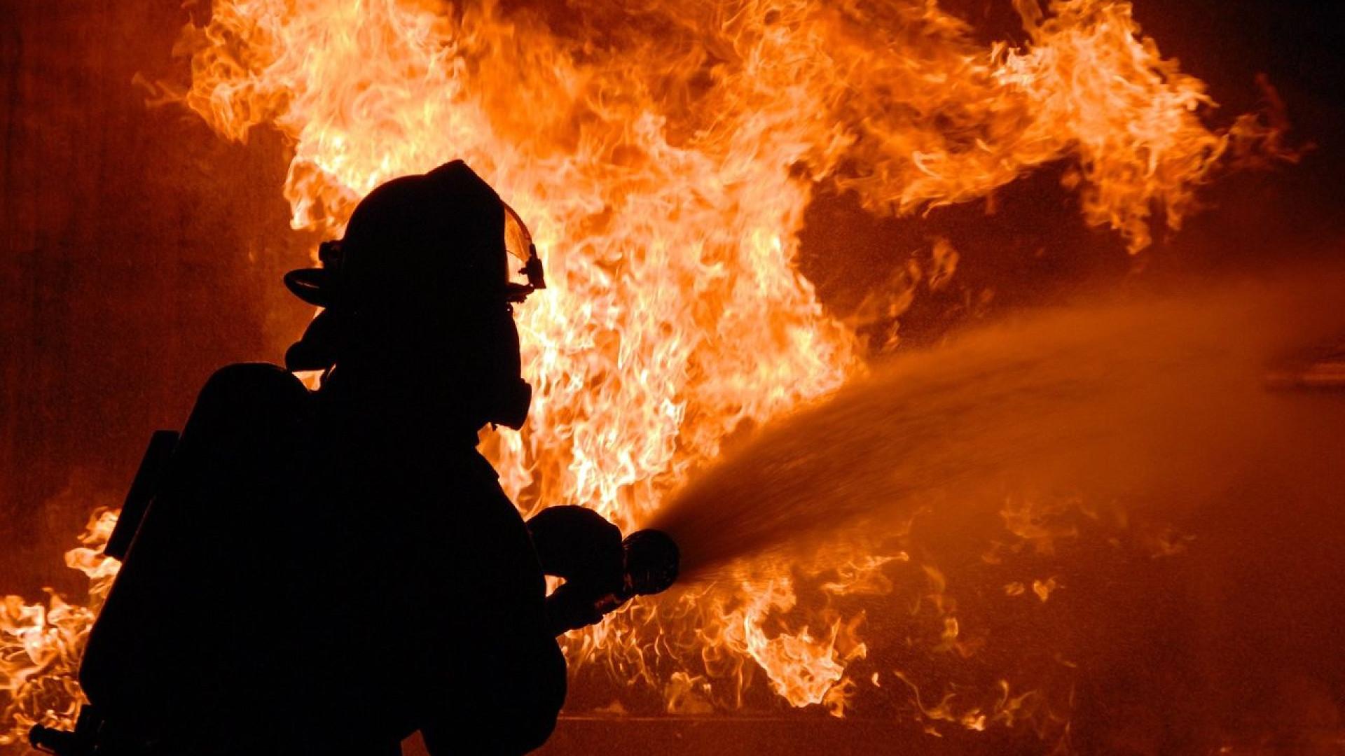 Incêndio em hotel de SC mata três pessoas e deixa seis feridas