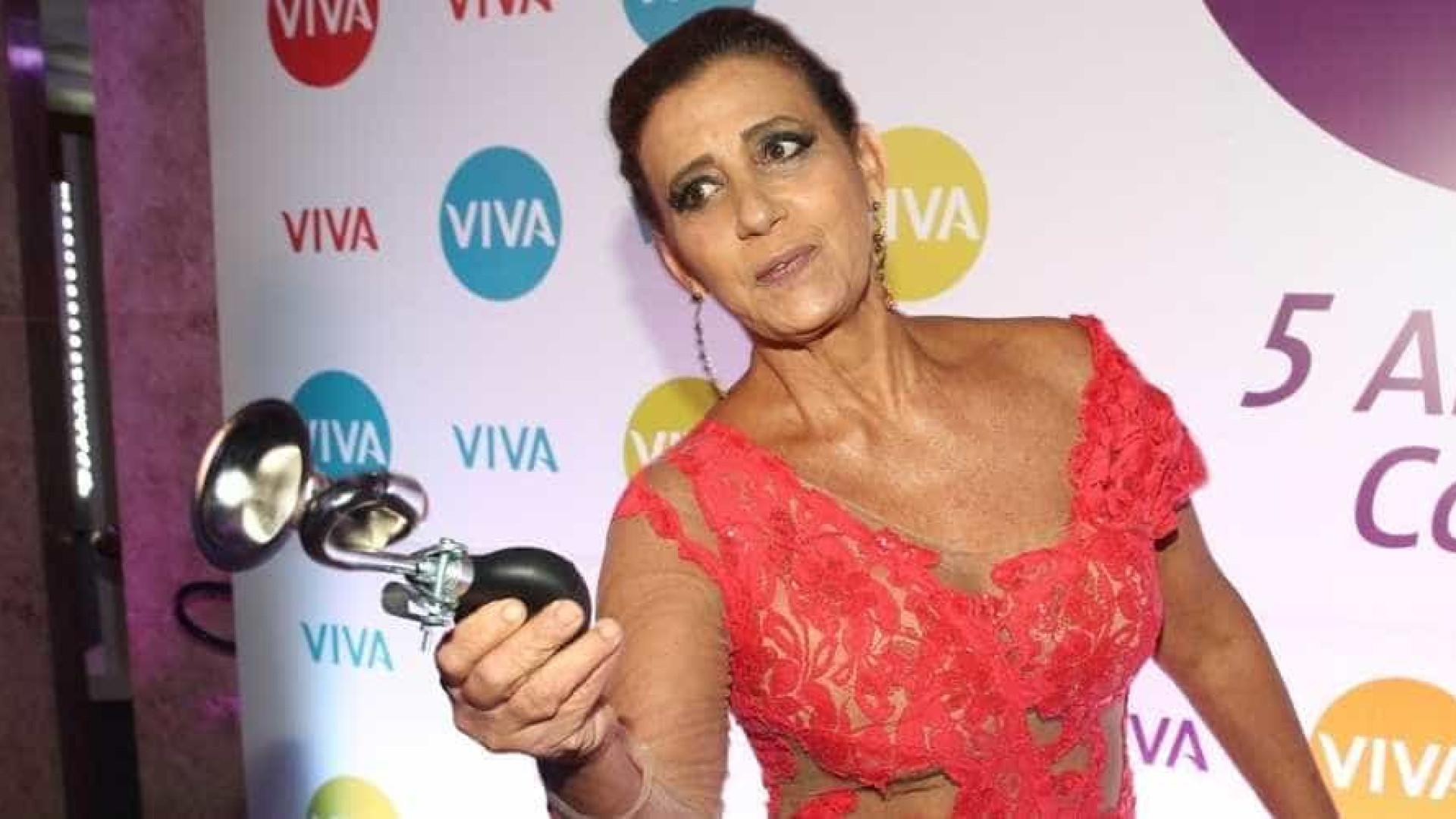 Rita Cadillac diz que pediu auxílio emergencial para pagar contas