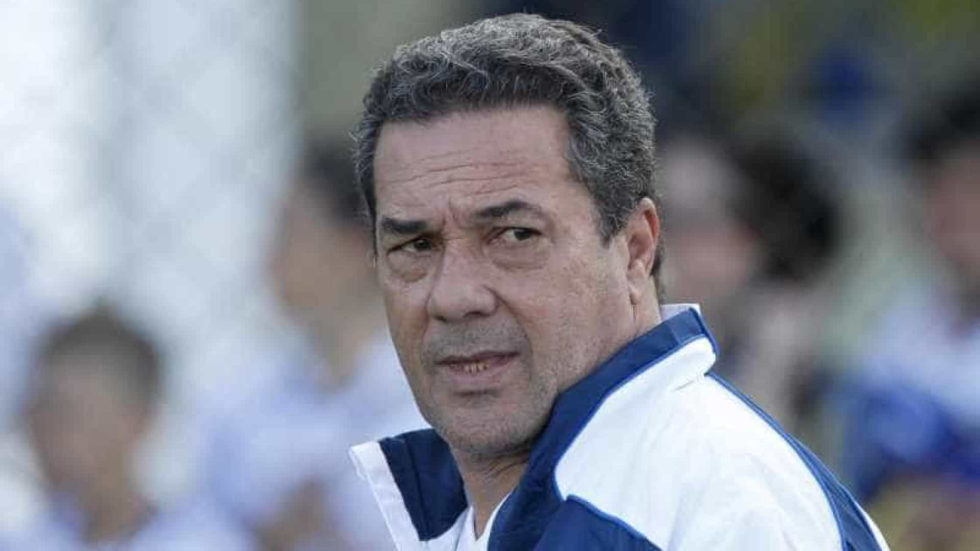 Luxemburgo enaltece torcida do Vasco e vê time mais confiante