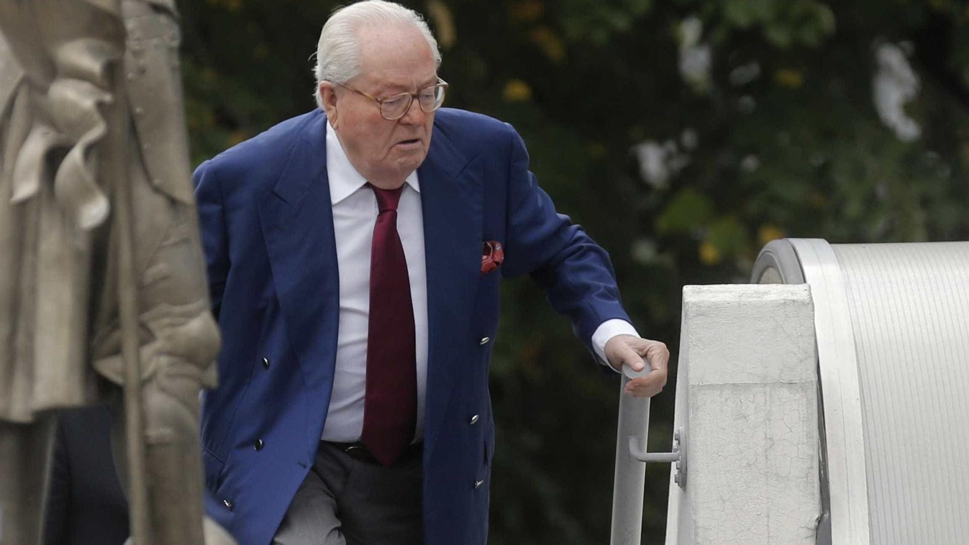 Hospitalizado, Jean-Marie Le Pen tem o seu julgamento adiado