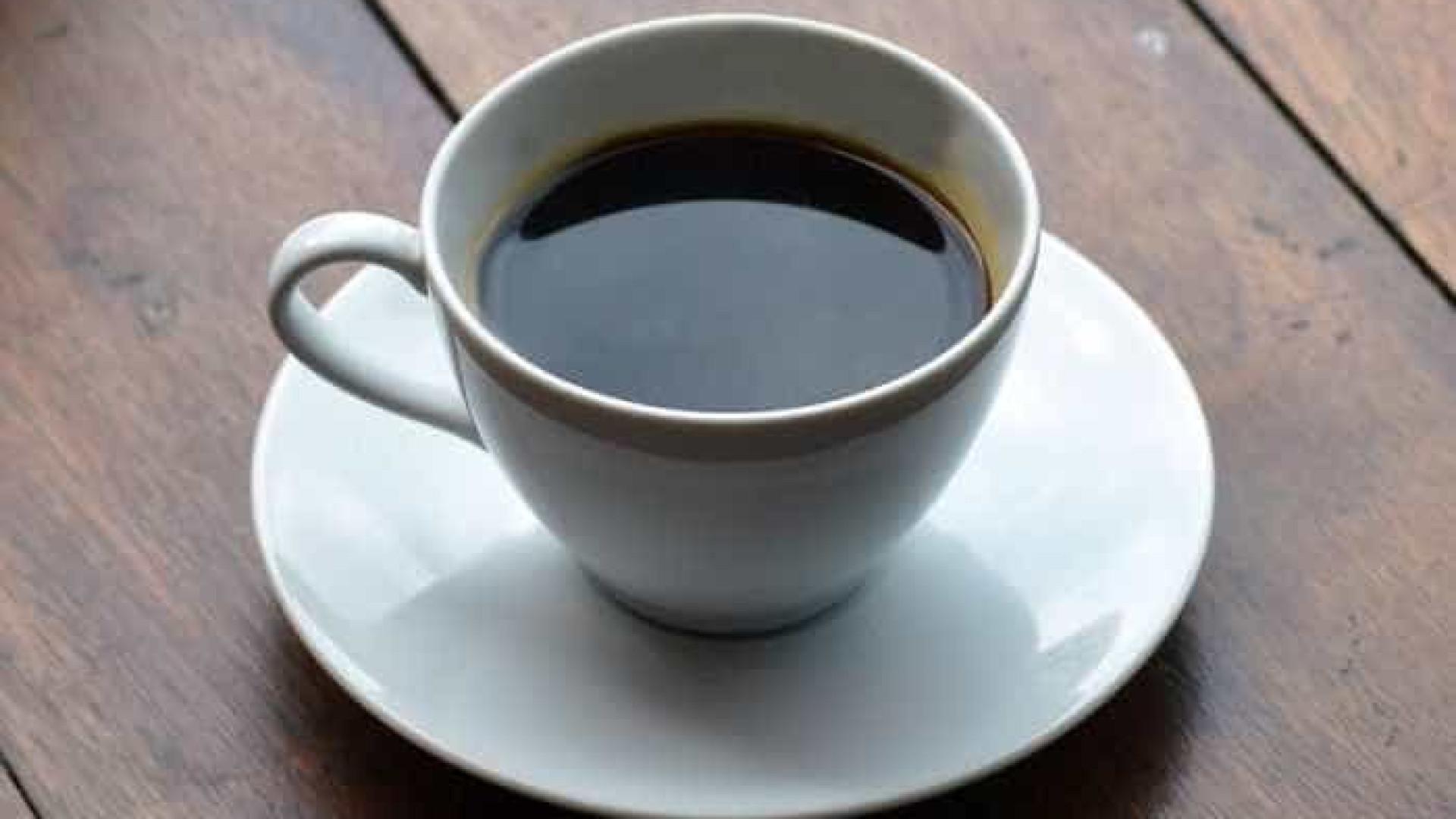 Estudo diz que três cafés por dia reduzem em 57% chances de cirrose