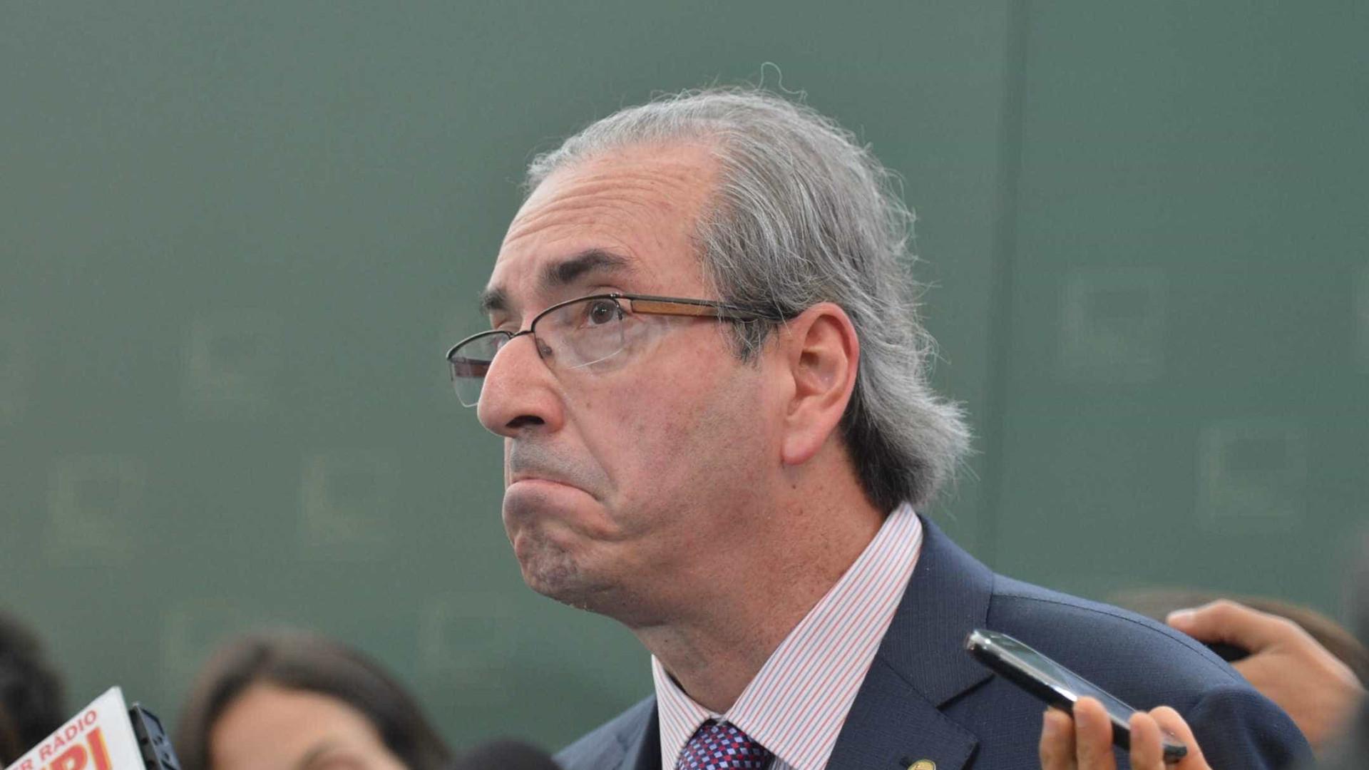 Justiça impede editora de distribuir  livro que usa nome de Cunha