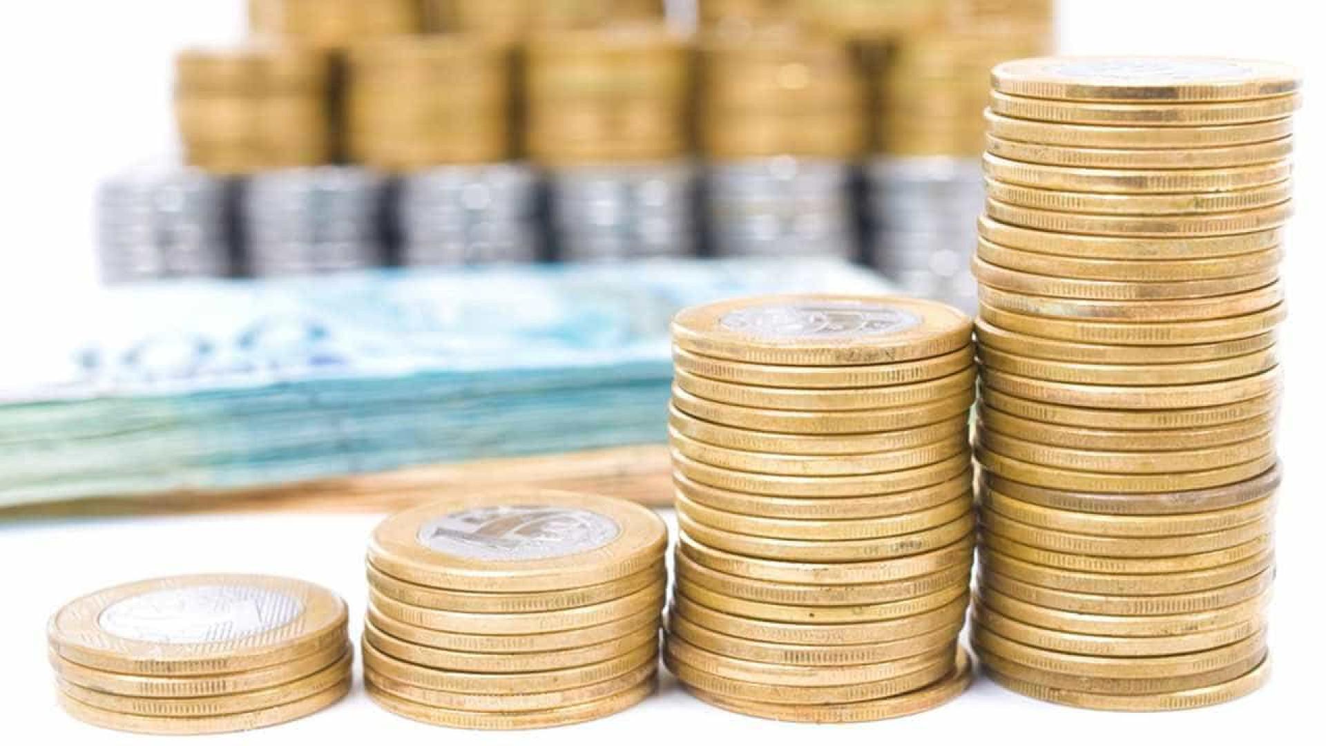 Colecionadores de notas e moedas resistem em meio a pagamentos digitais