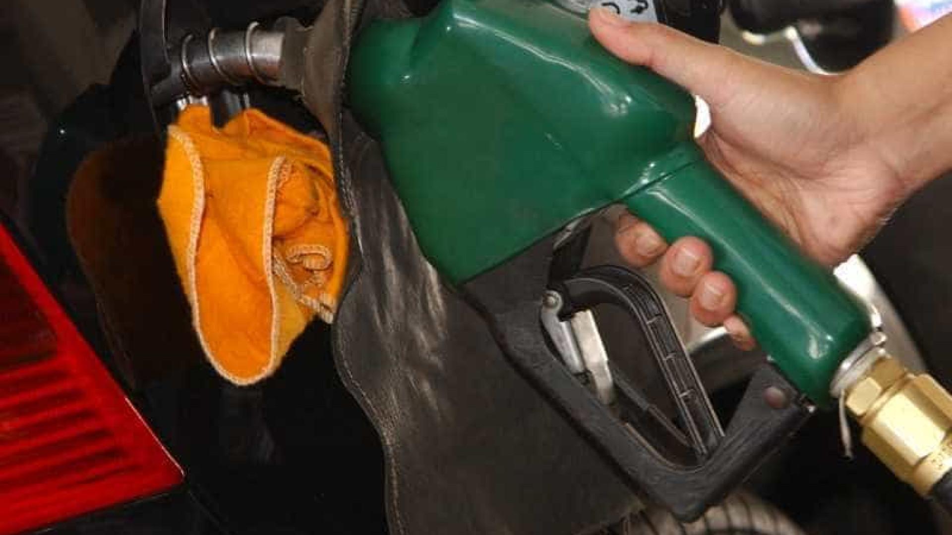 Petrobras eleva preço da gasolina em 3,5% e diesel em 4,2%
