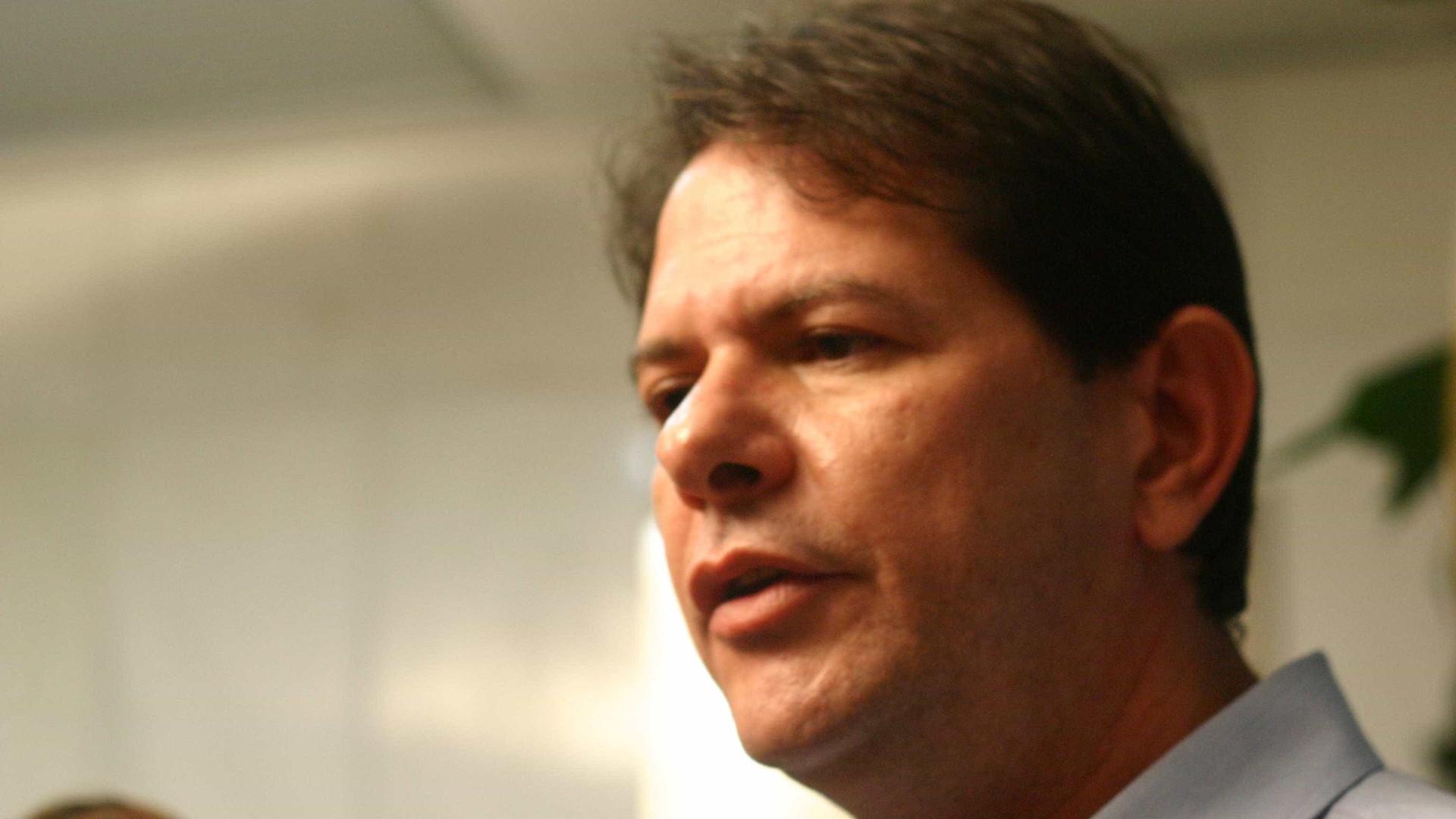Deputados registram BO contra Cid Gomes por polêmica com PMs