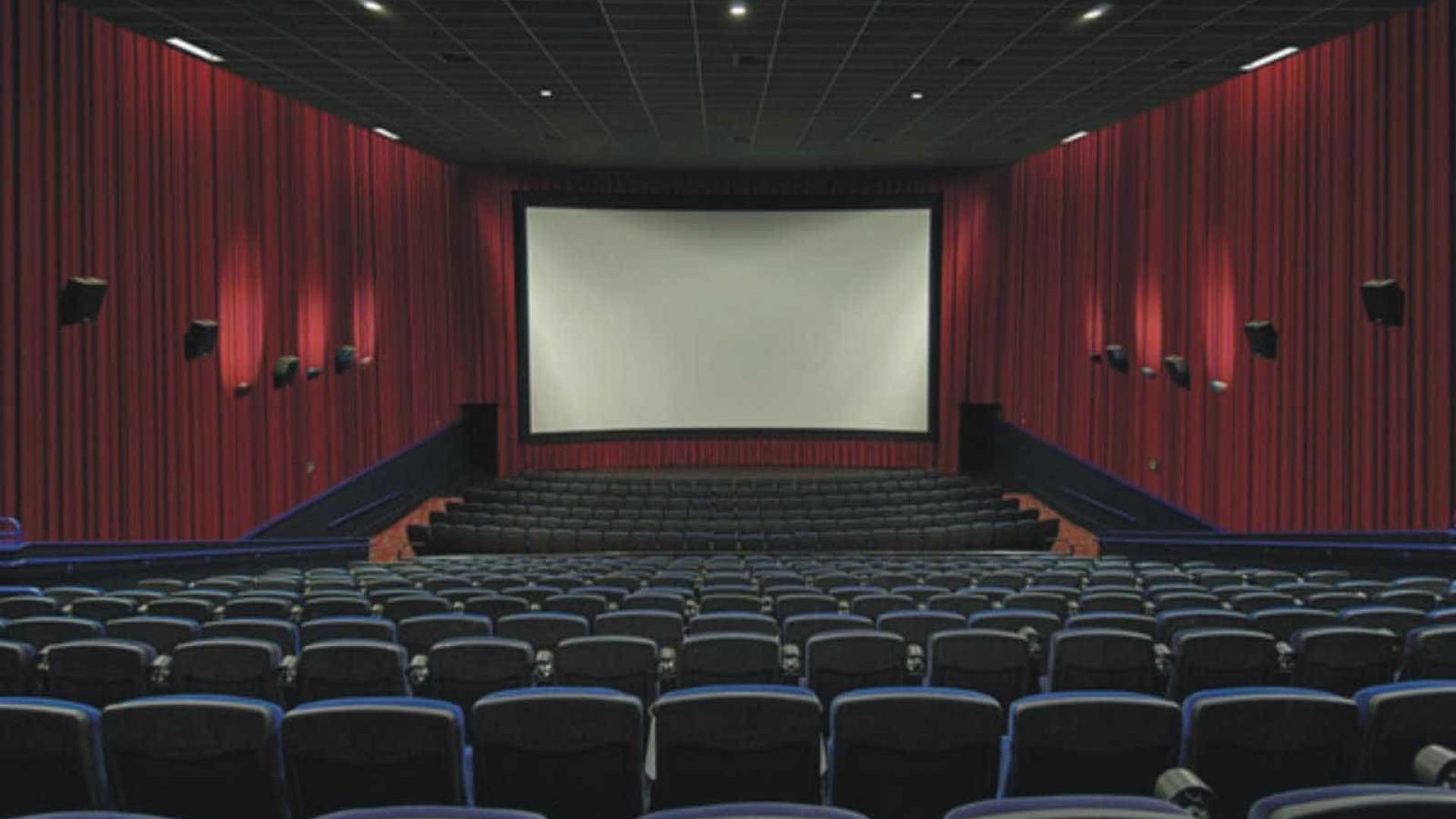 Cinemas de SP deverão ter sessão mensal adaptada a crianças autistas