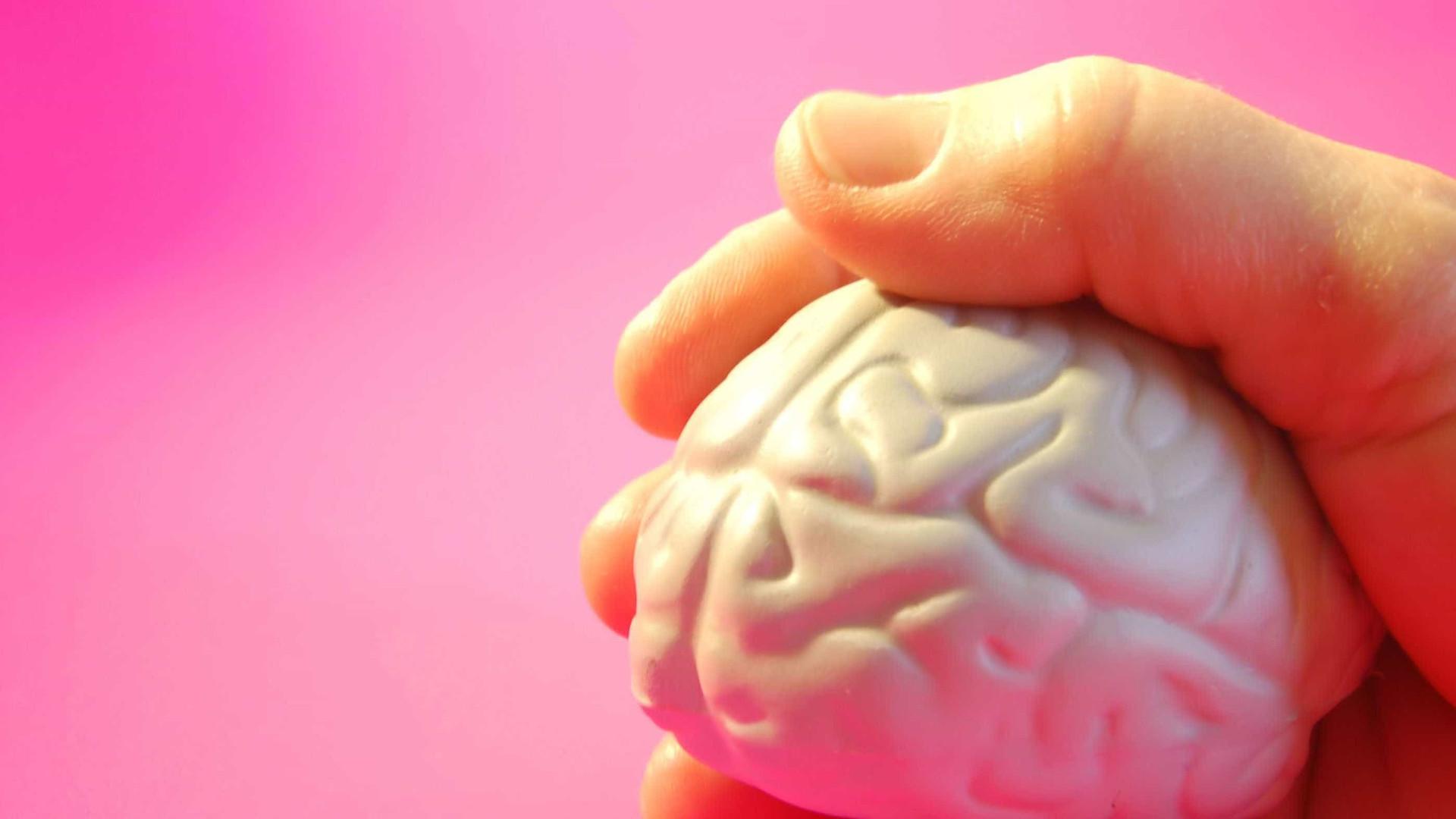 Sonolência e confusão mental podem ser sinais de AVC