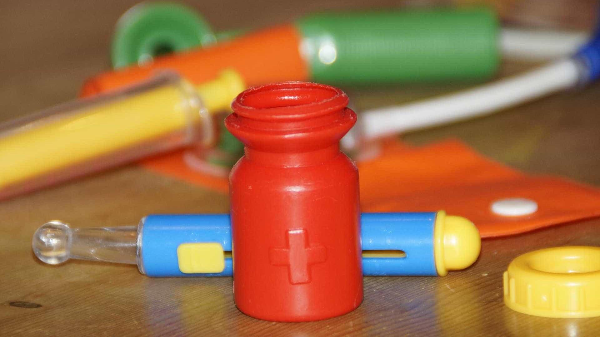 Pediatra alerta: anti-inflamatórios não são remédios inofensivos