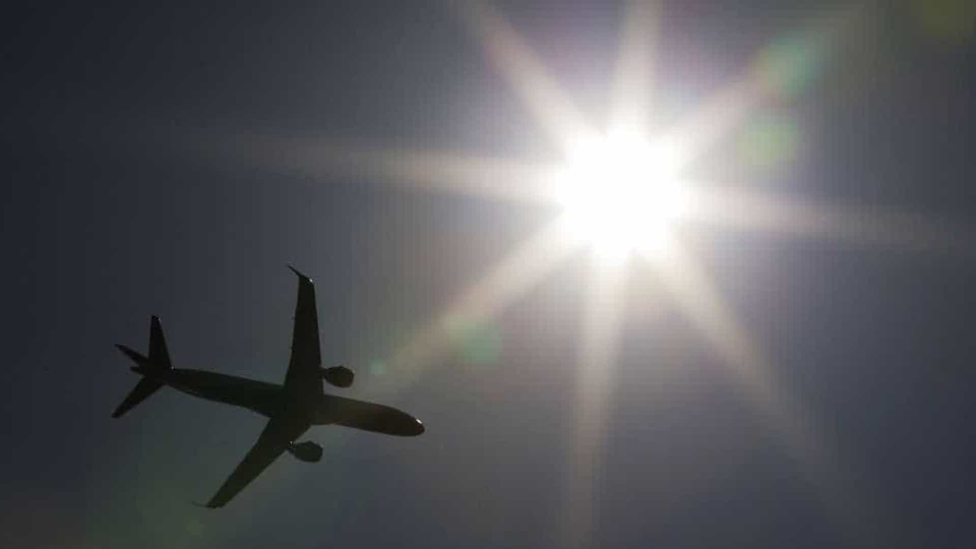 Pacote prevê cortar custo de combustível para baixar bilhetes aéreos