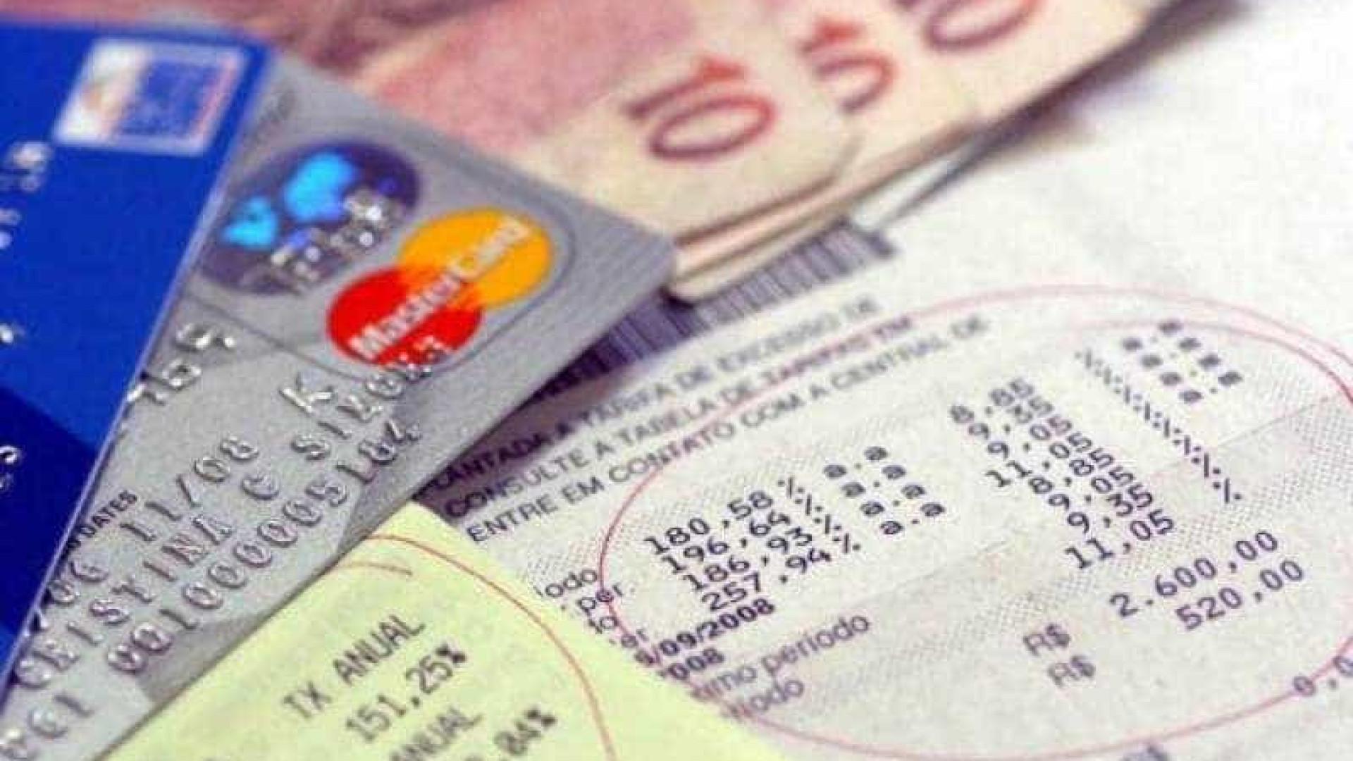Endividamento das famílias fica em 46,2% em abril, afirma BC