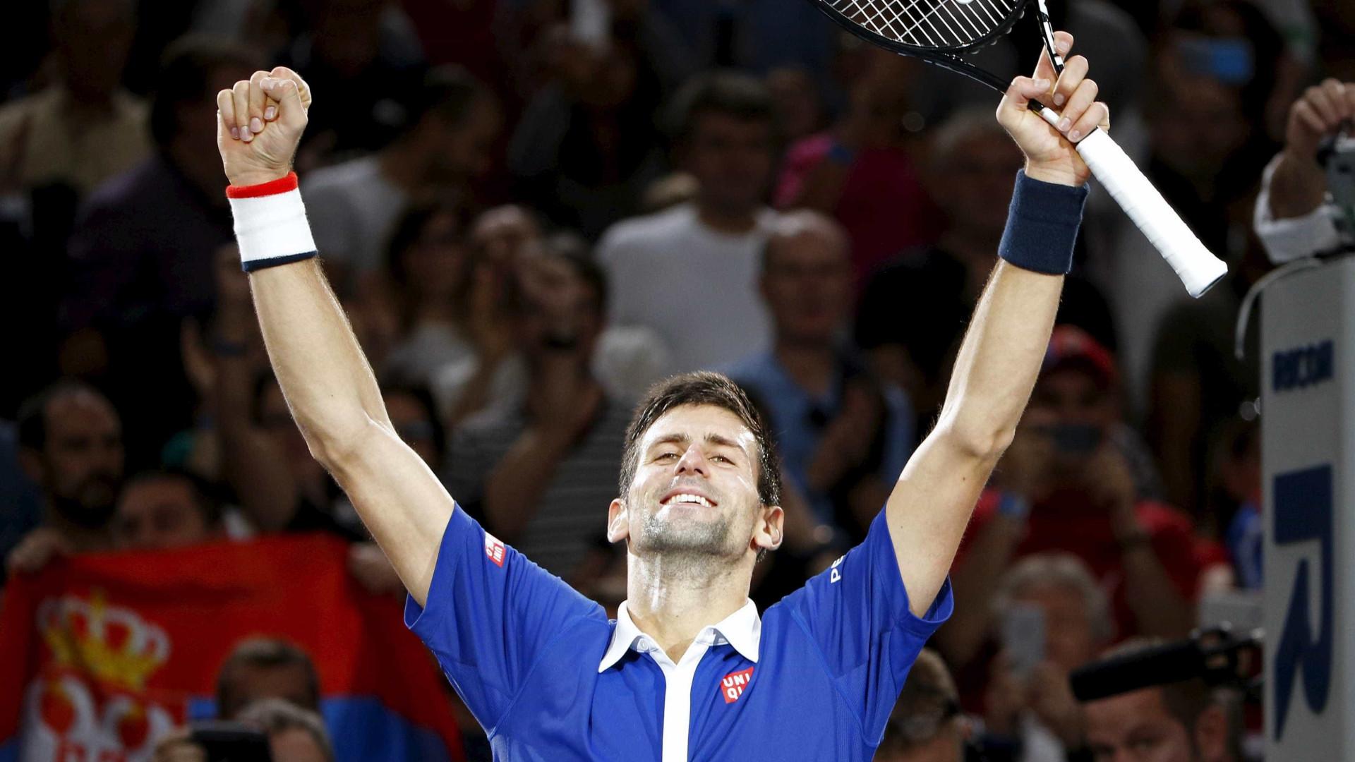 Djokovic ganha em Belgrado antes de iniciar busca do 2° título em Roland Garros