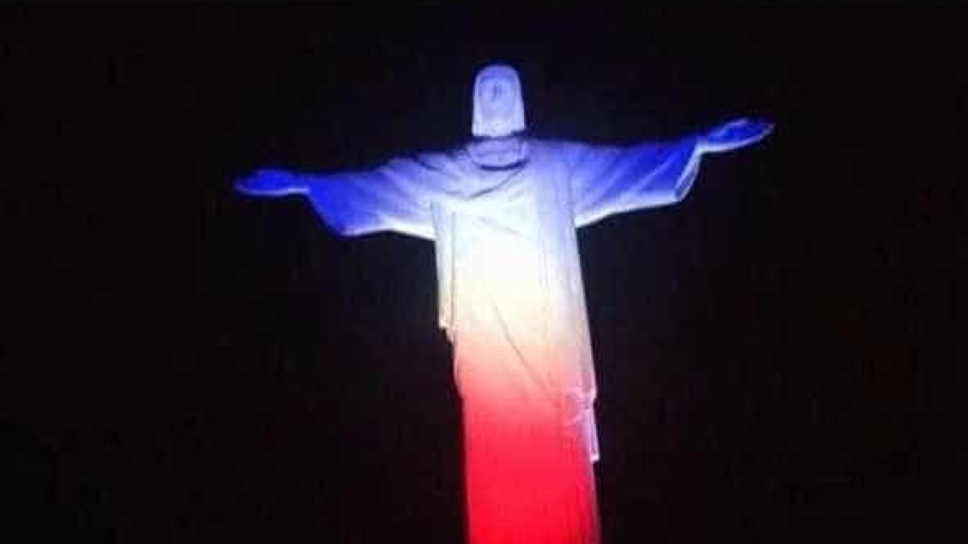Cristo Redentor será iluminado com as cores da bandeira da França