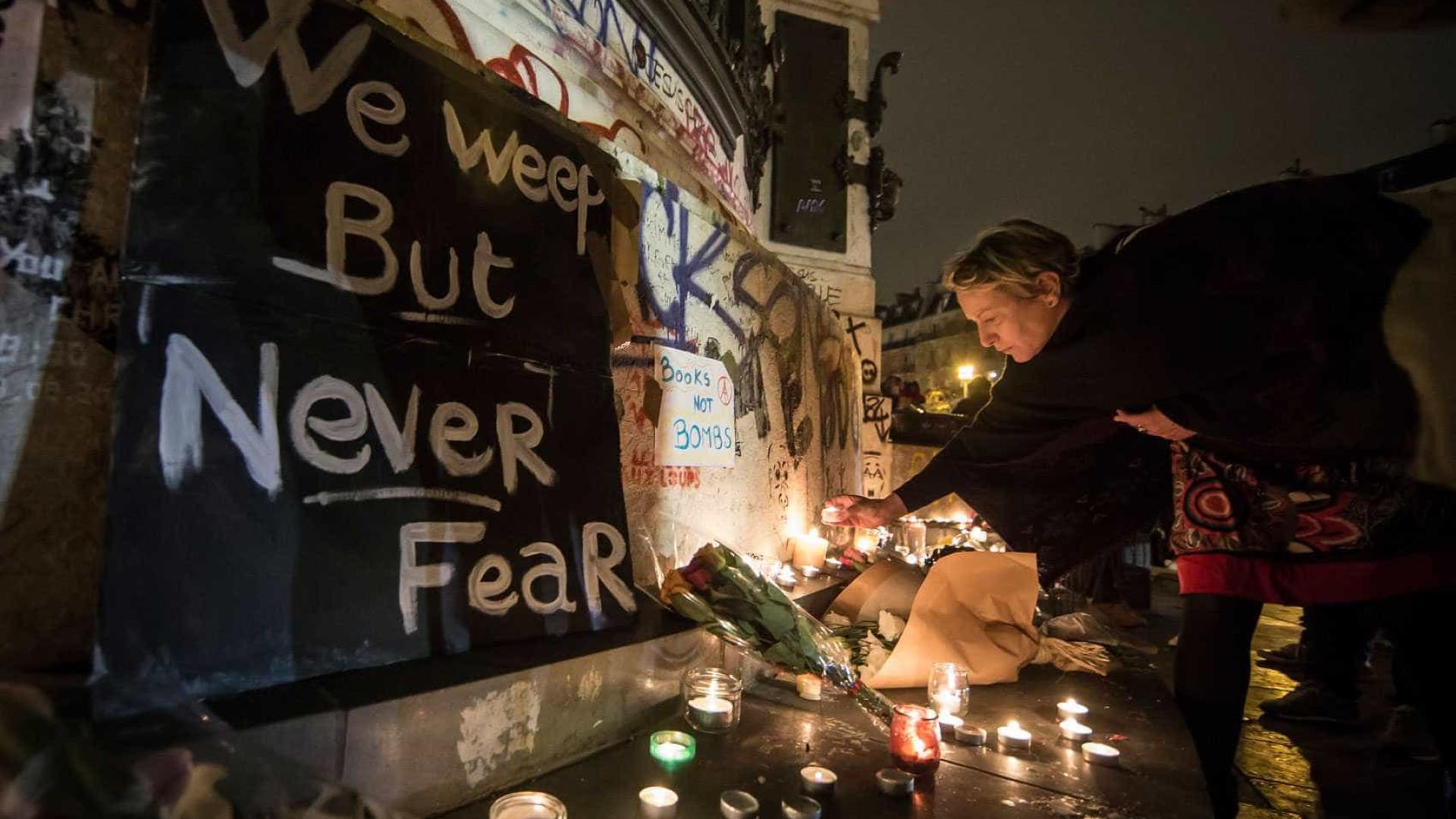 Polícia descarta outro atentado durante vigília na Praça da República