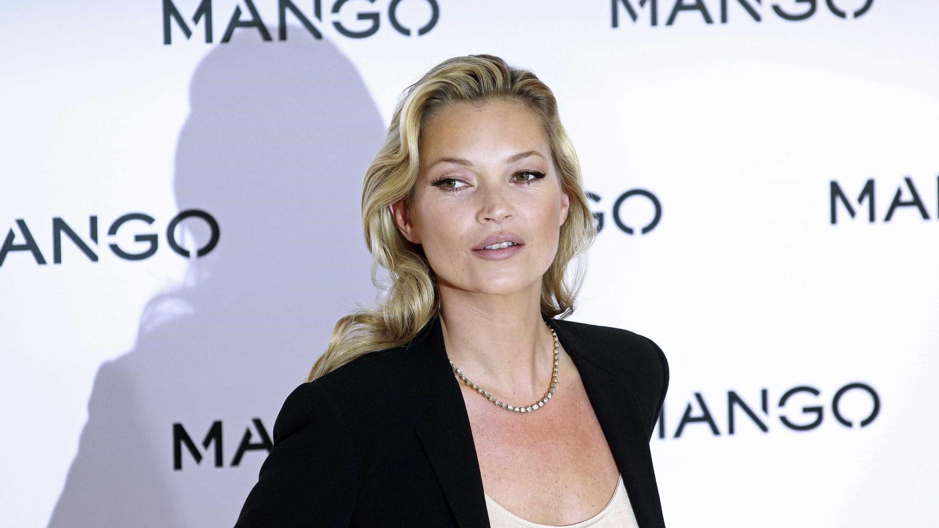 Kate Moss se isola com cabeleireiro e causa inveja em celebridades