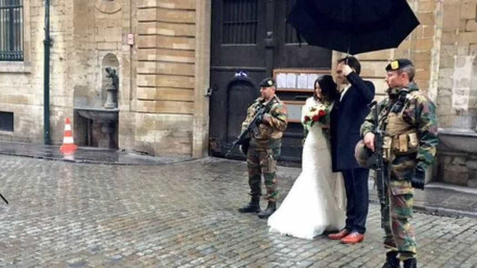 Apesar de ameaça terrorista, este casamento não foi adiado