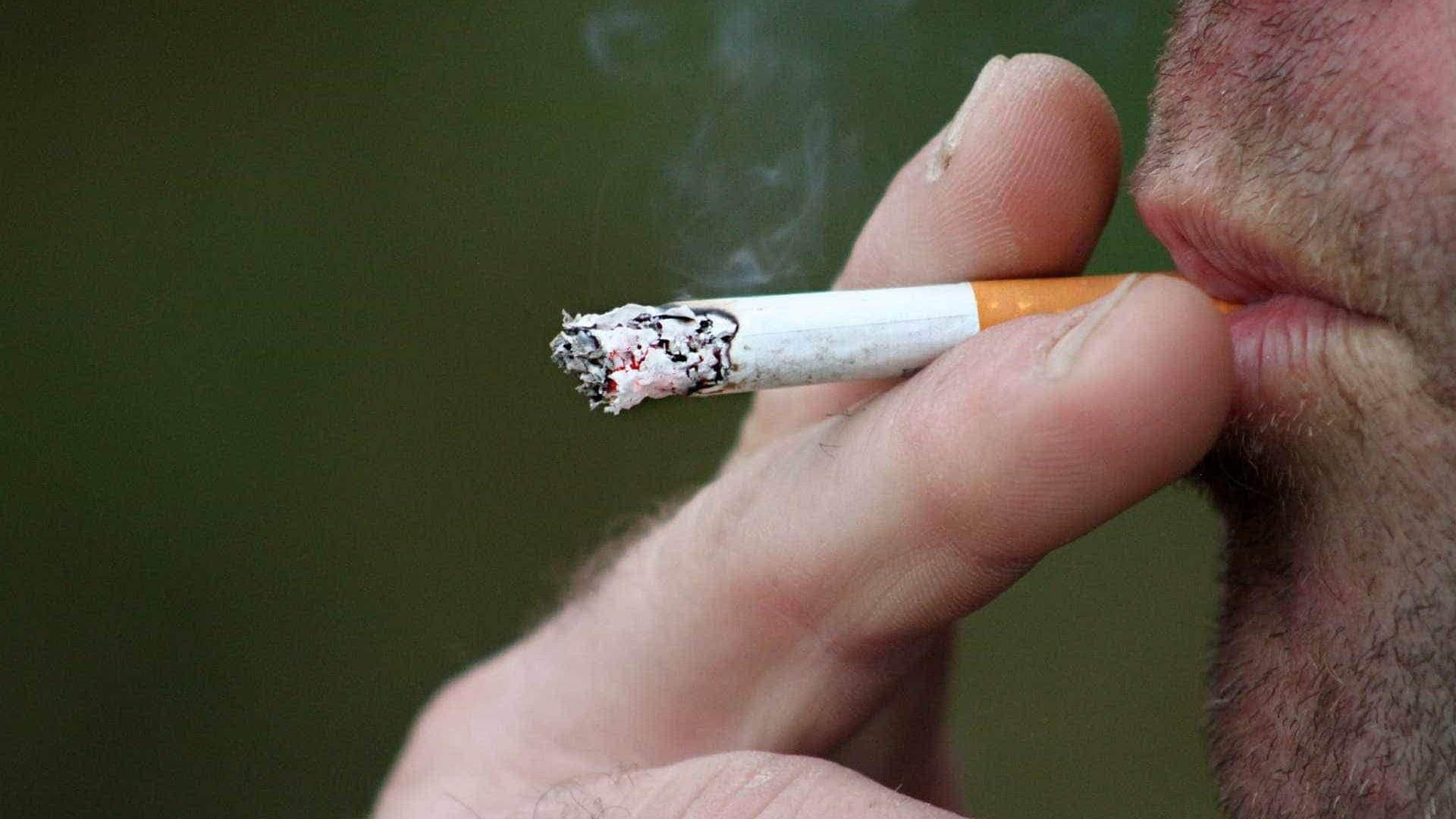 Fumante com coronavírus tem 14 vezes mais chances de morrer