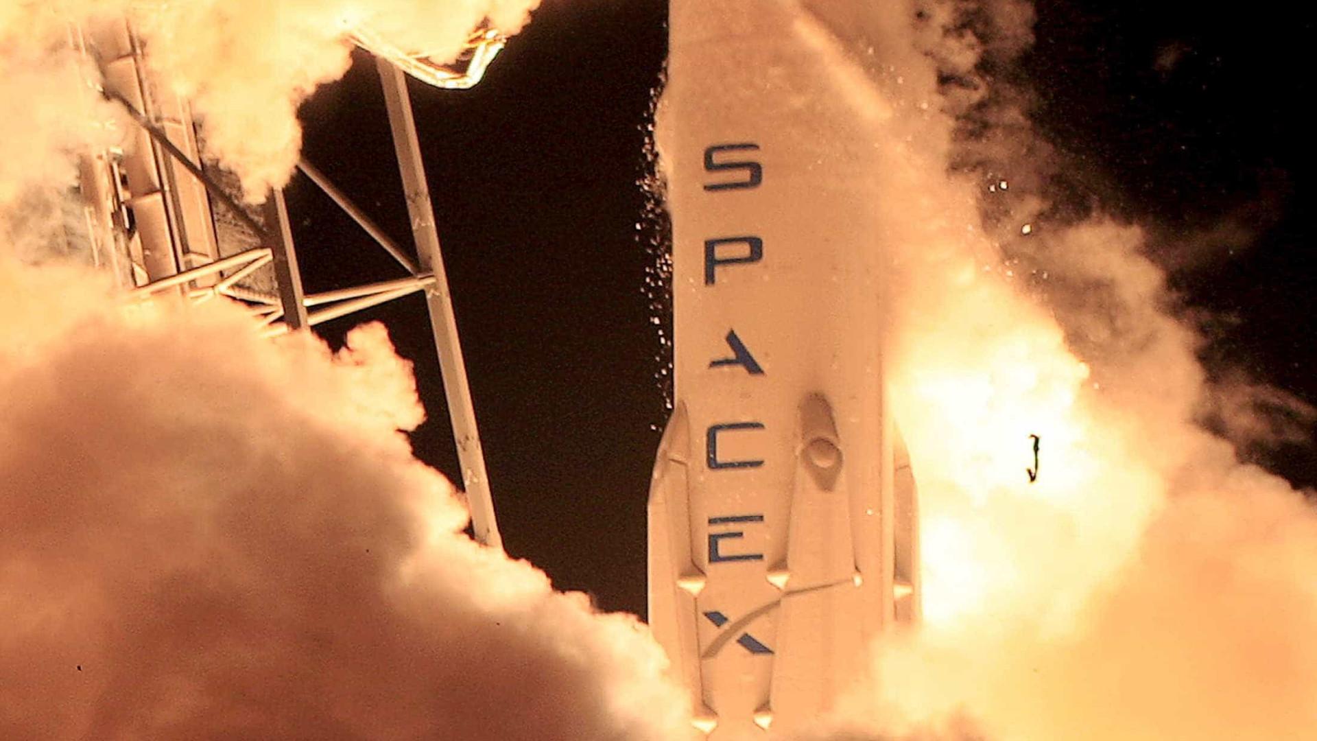 SpaceX consegue lançar e pousar o Falcon 9