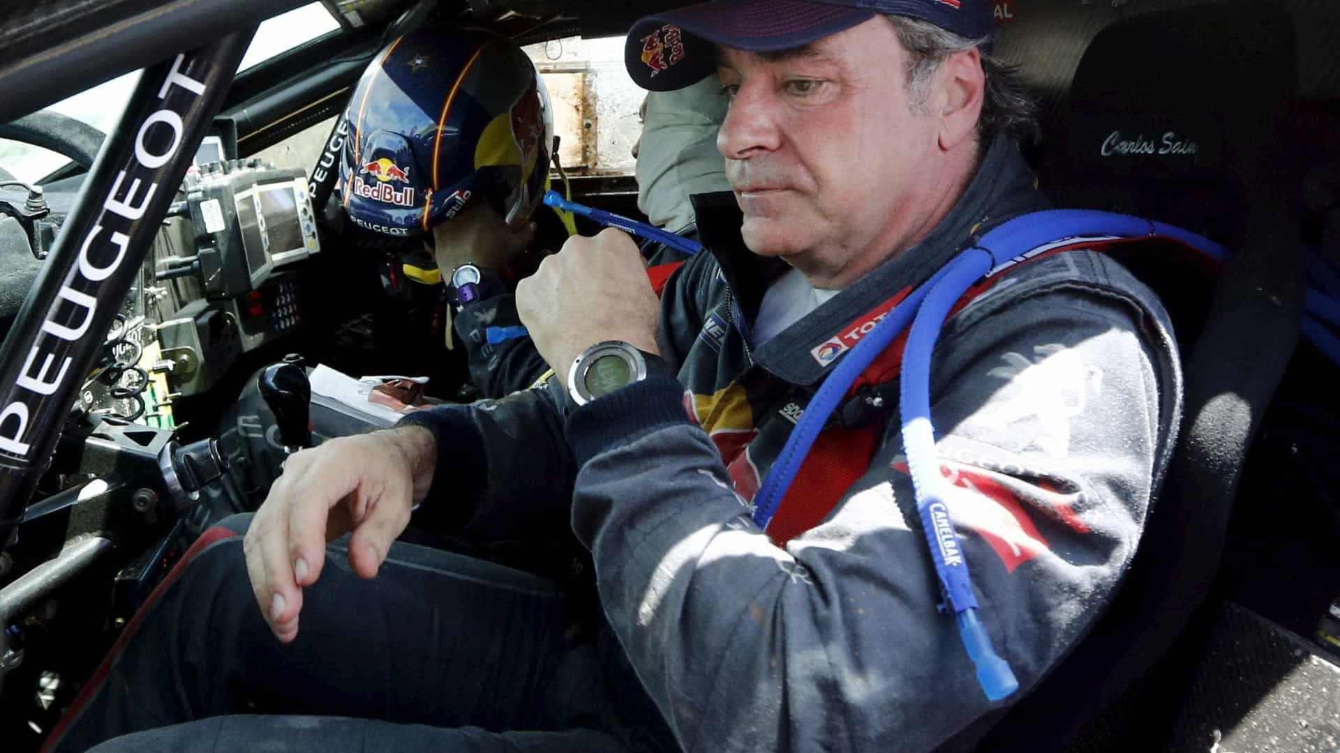 Carlos Sainz mantém vantagem e é tricampeão do Rali Dakar