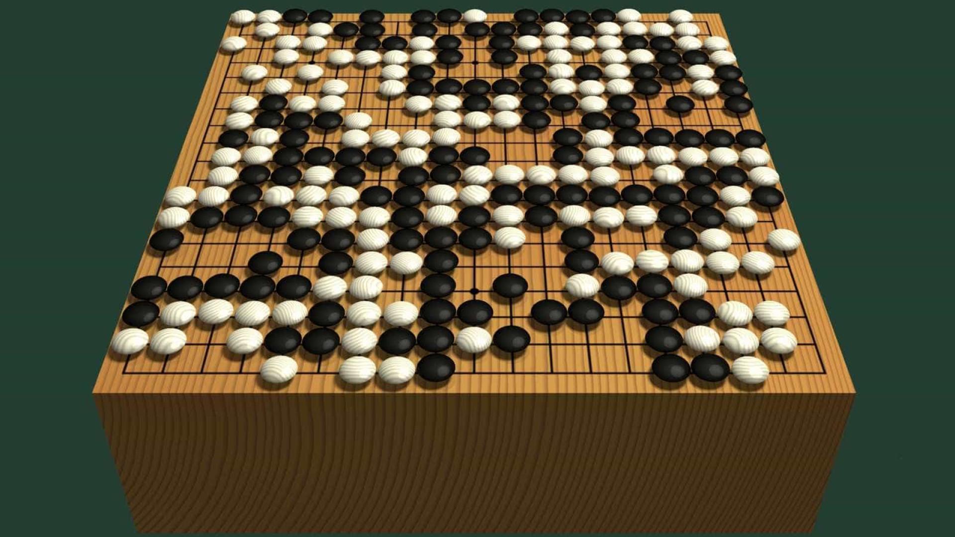 Computador vence campeão de jogo chinês pela primeira vez