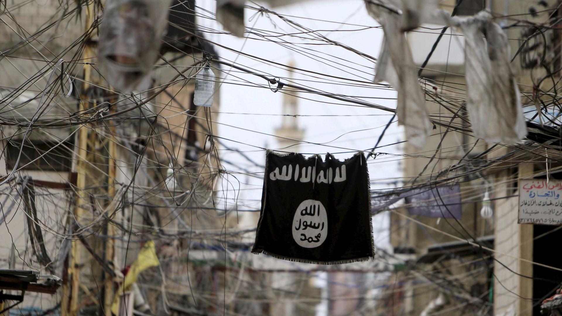 Estado Islâmico reivindica ataque a faca em Paris