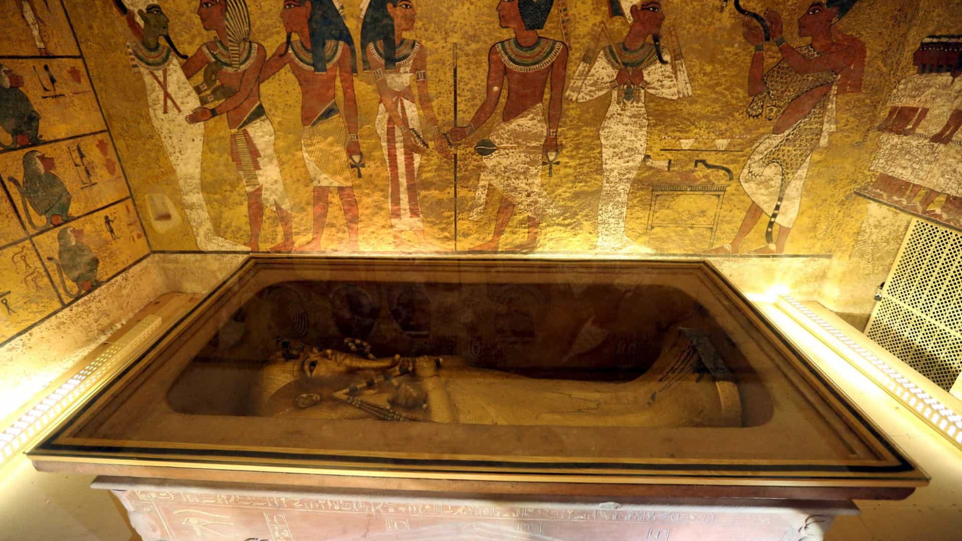 Túmulo de Tutancâmon pode ter câmaras ocultas