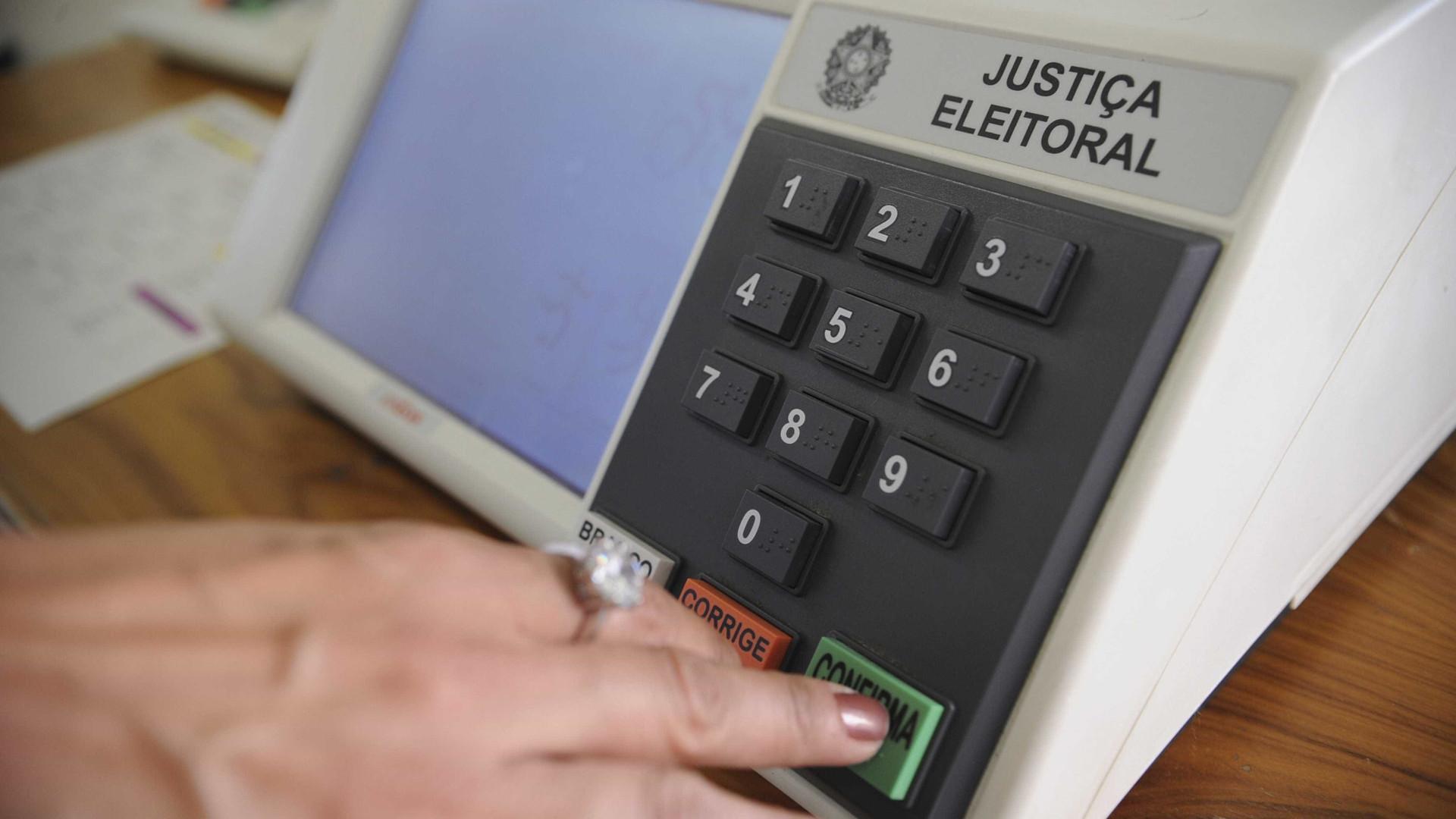Mais de 6 mil brasileiros vão votar na Argentina neste segundo turno