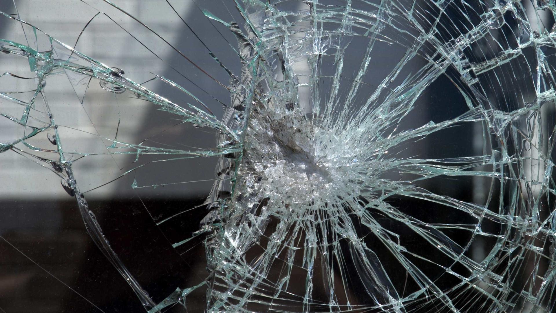 Mulher é baleada na cabeça dentro de casa na Zona Oeste do Rio