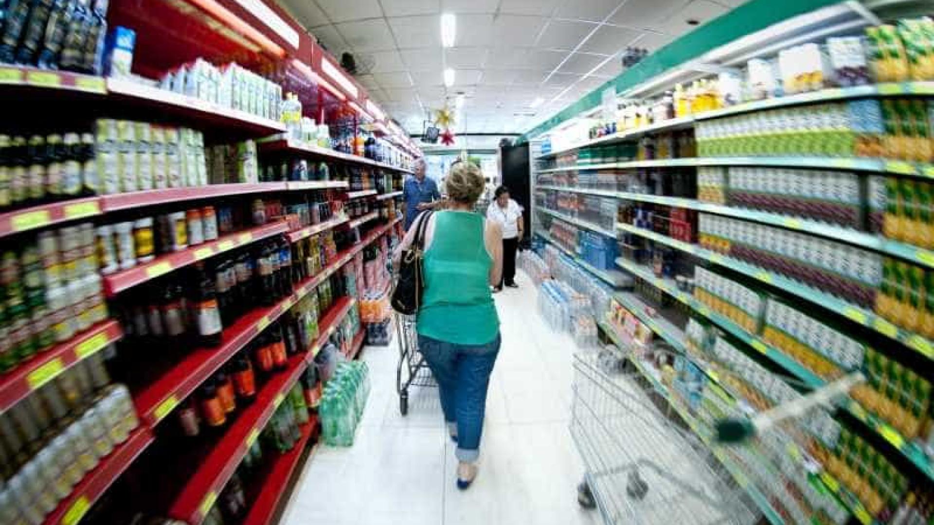 Brasileiro tem ido menos ao mercado