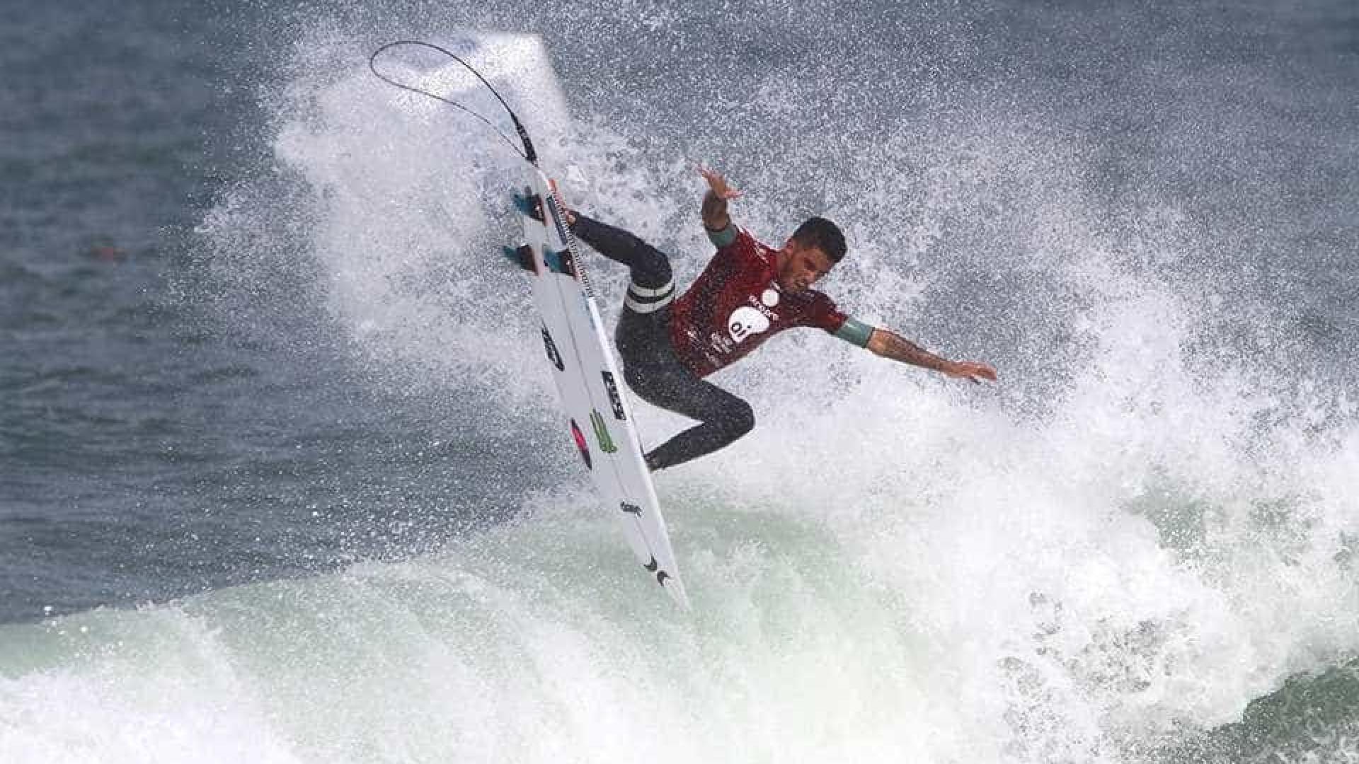 Felipe Toledo conquista bicampeonato no mundial de surfe em Saquarema