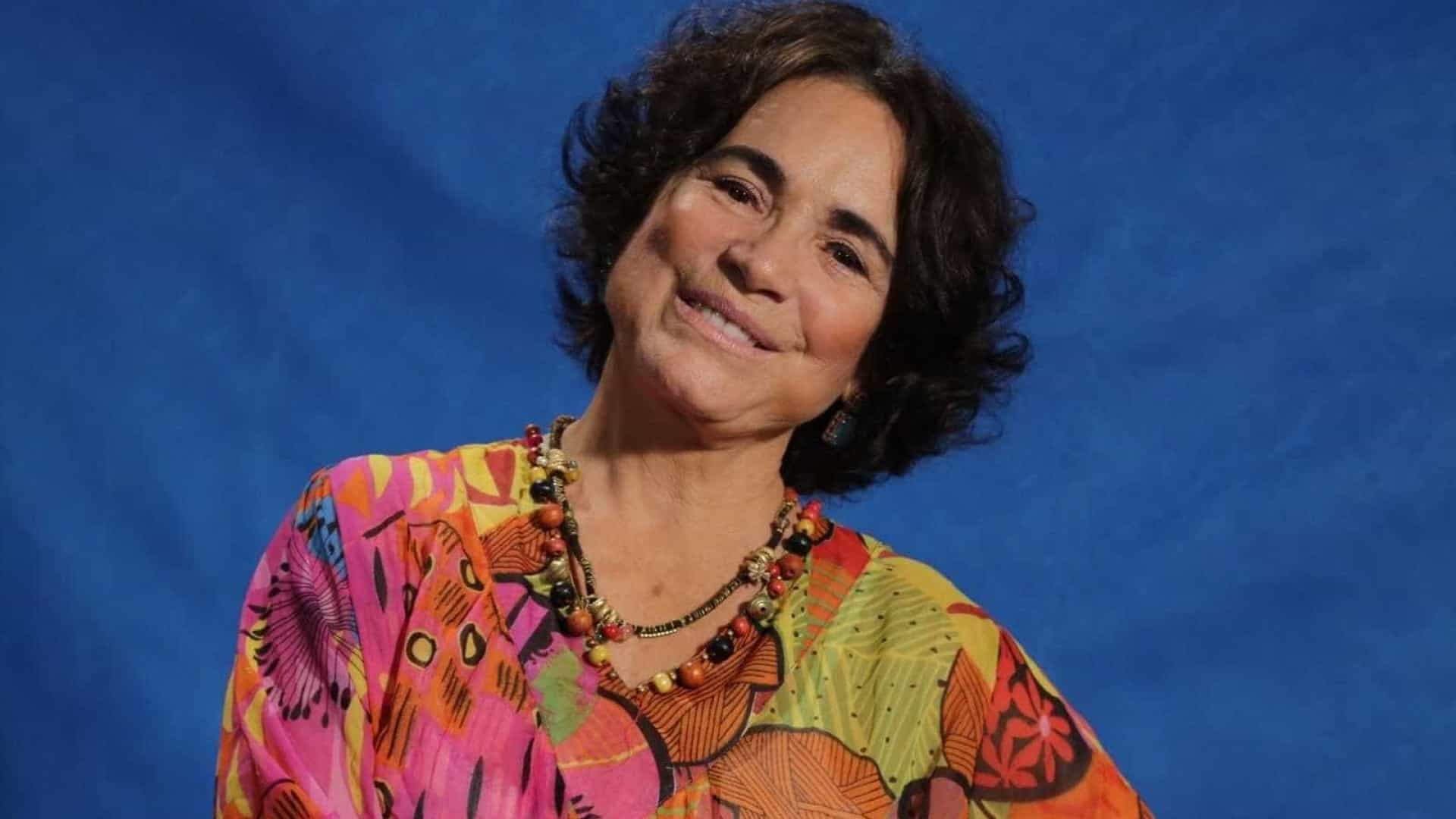 Regina Duarte faz post anti-PT e leva 'invertida' de Patrícia Pillar