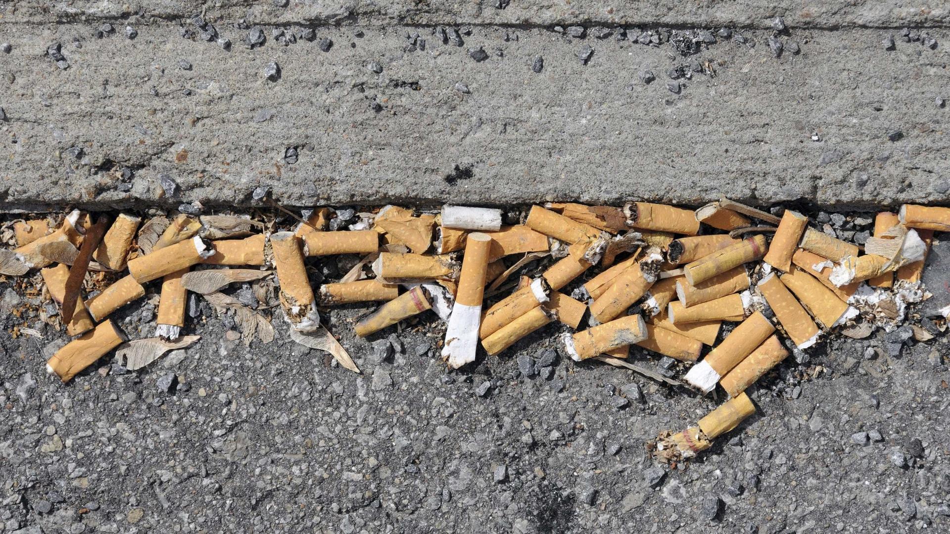 Portugal dará multas a quem jogar bitucas de cigarros em vias públicas