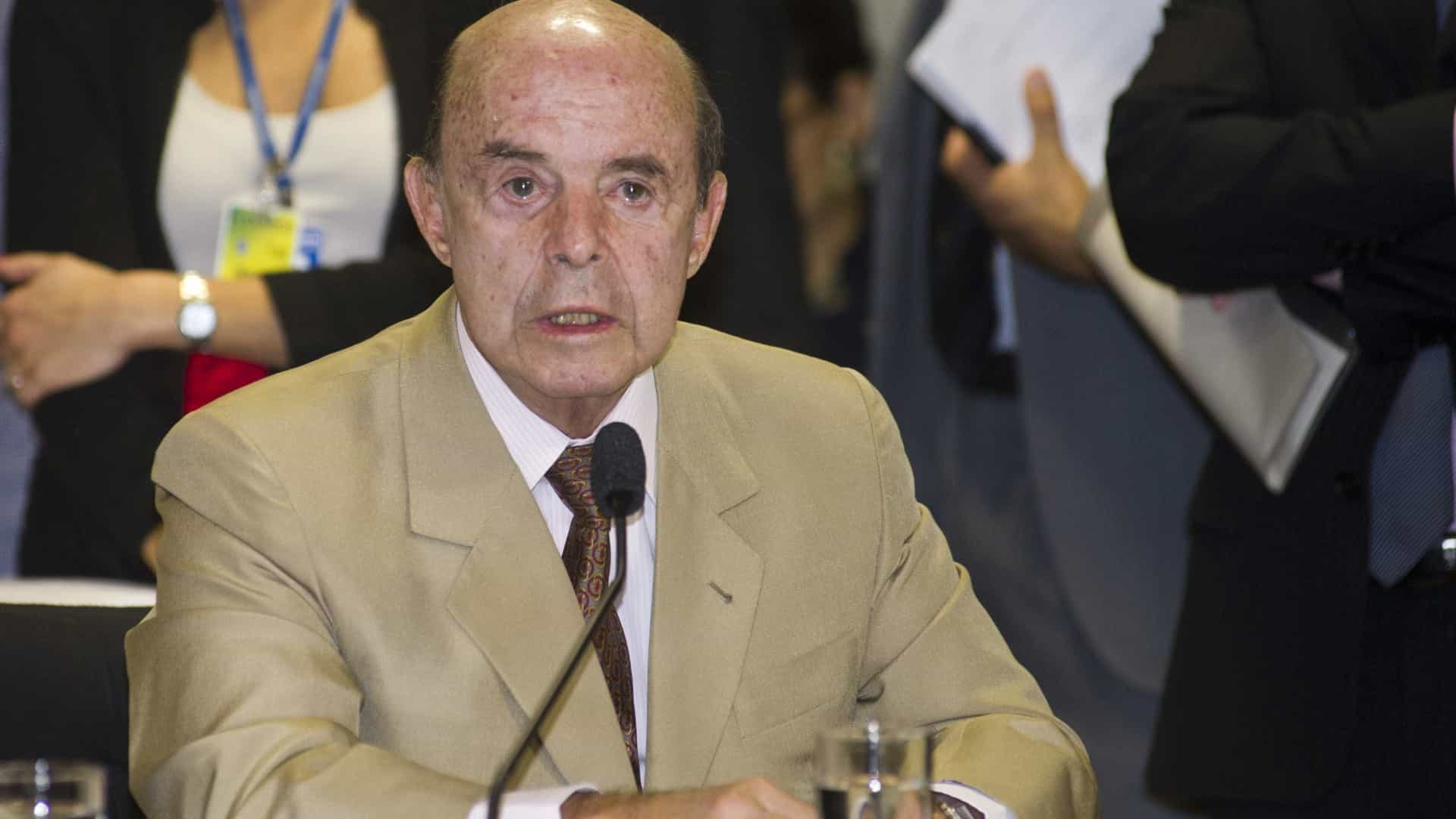 Vice-governador do Rio, Francisco Dornelles está internado