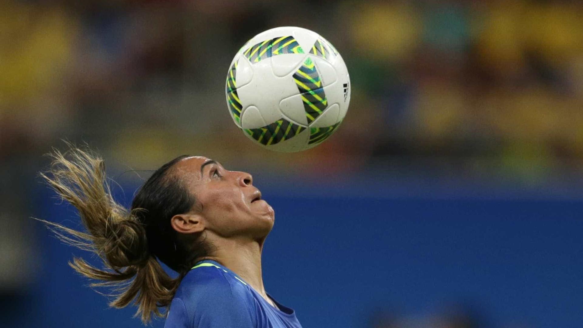 Marta festeja encontro com Pia na seleção brasileira