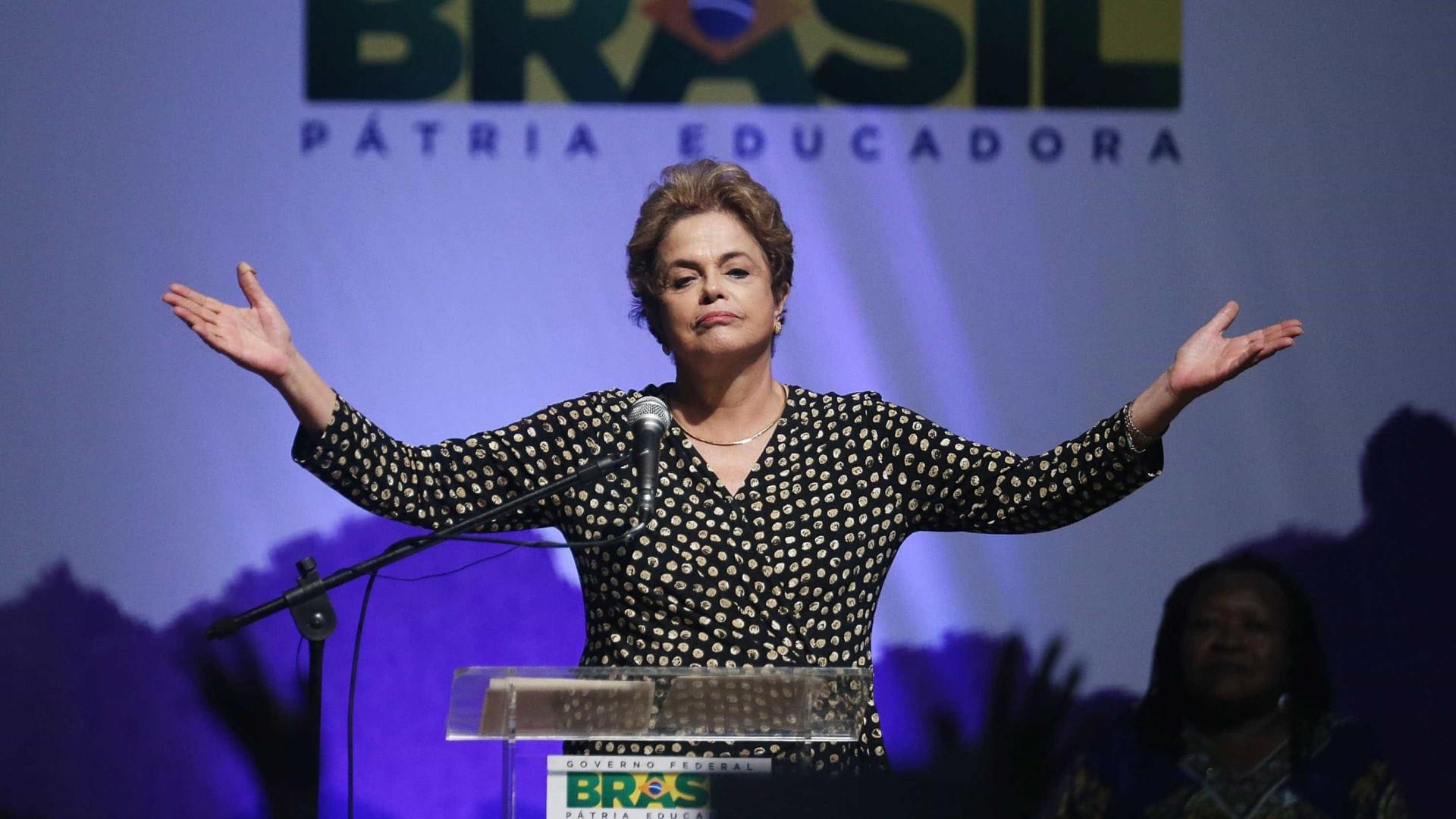 Rosa Weber suspende queixa-crime de Dilma contra Bolsonaro