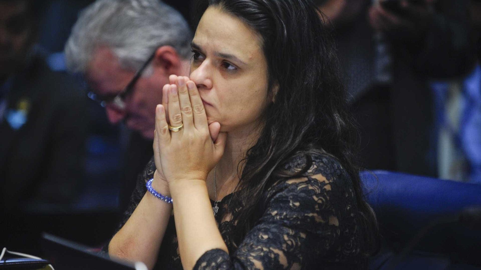 No Twitter, Janaina Paschoal dispara: 'caia quem tiver que cair'