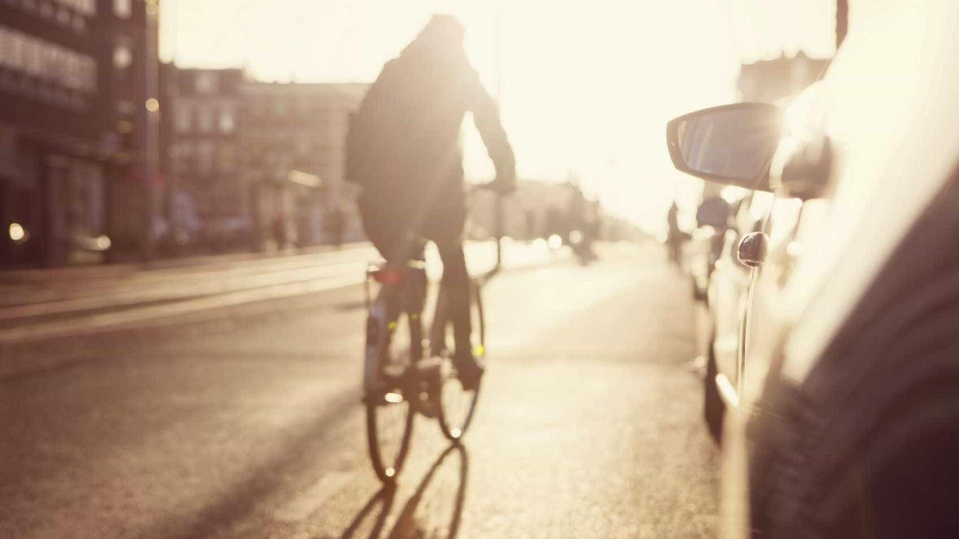 Afinal, ir de bicicleta para o trabalho é mais perigoso do que parece