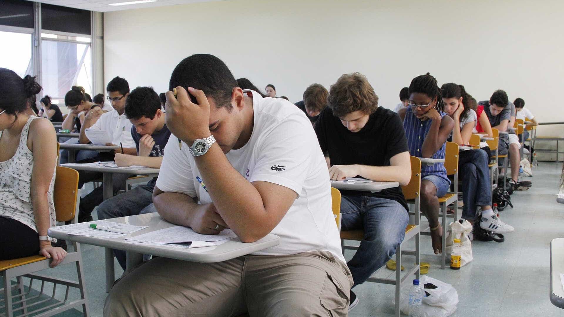 Abstenção no vestibular da Unicamp cai e 69,7 mil fazem prova