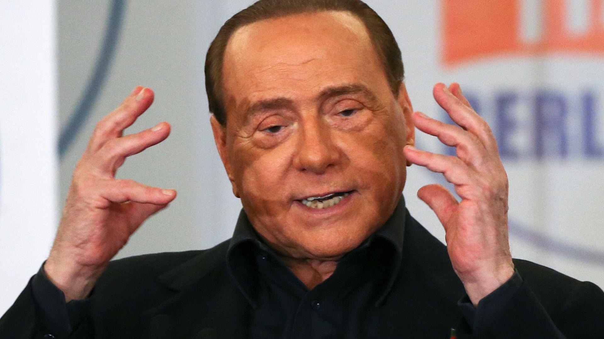 Silvio Berlusconi vira réu por corromper testemunha
