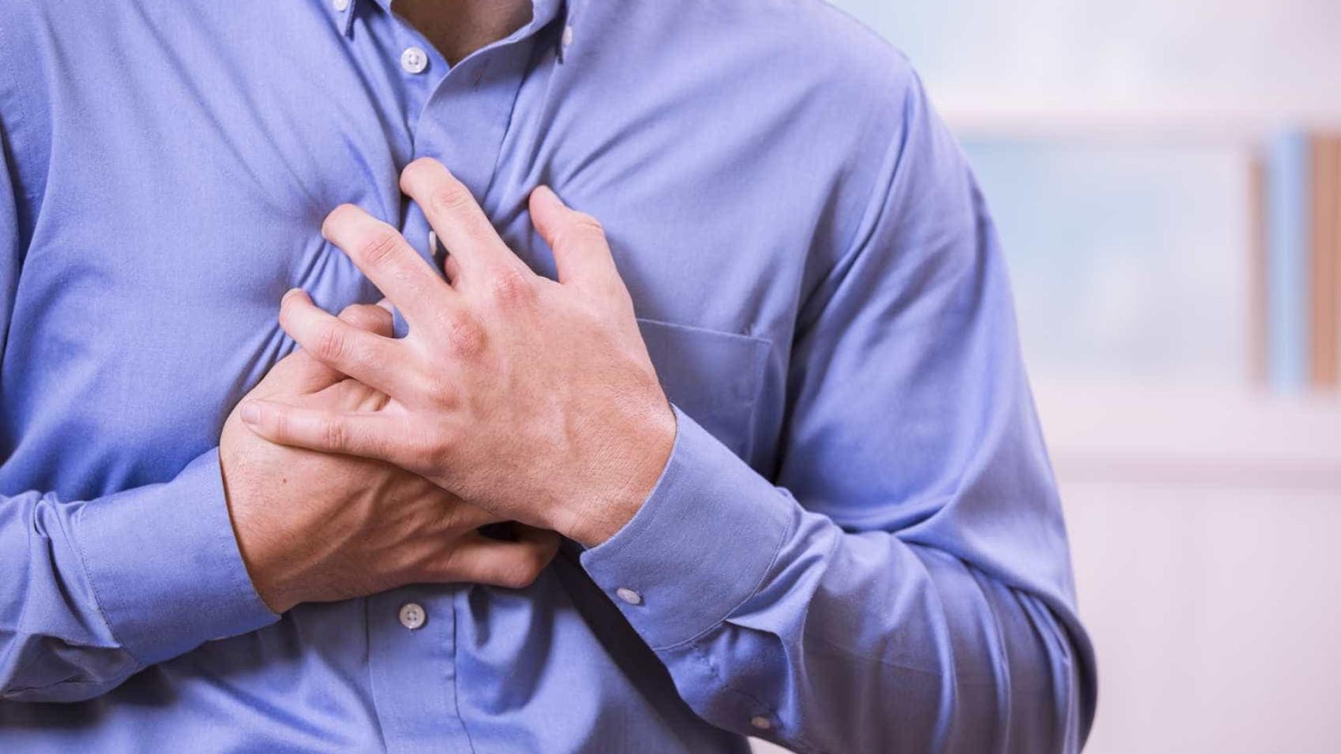 Dor no peito, tensão muscular e insônia são sintomas da ansiedade