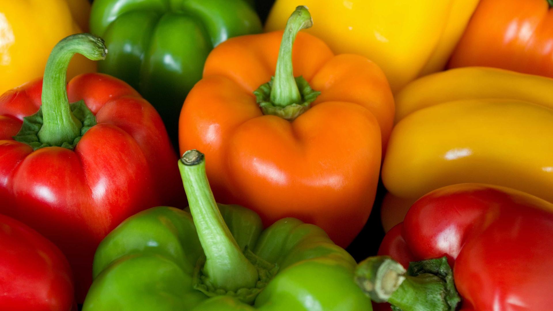Cinco alimentos que devem ser consumidos crus