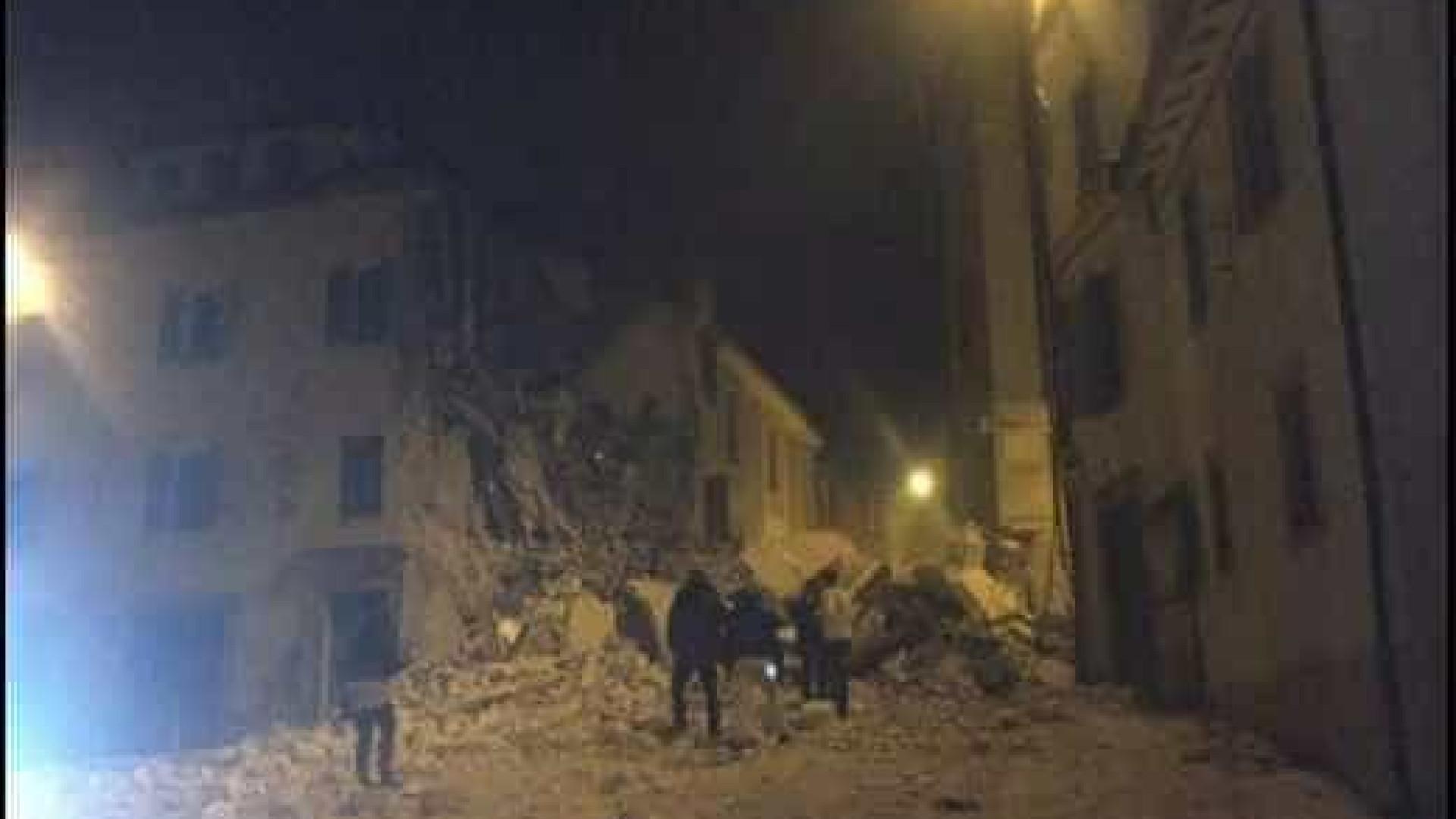 'Nossa cidade está destruída', diz prefeito  de cidade italiana