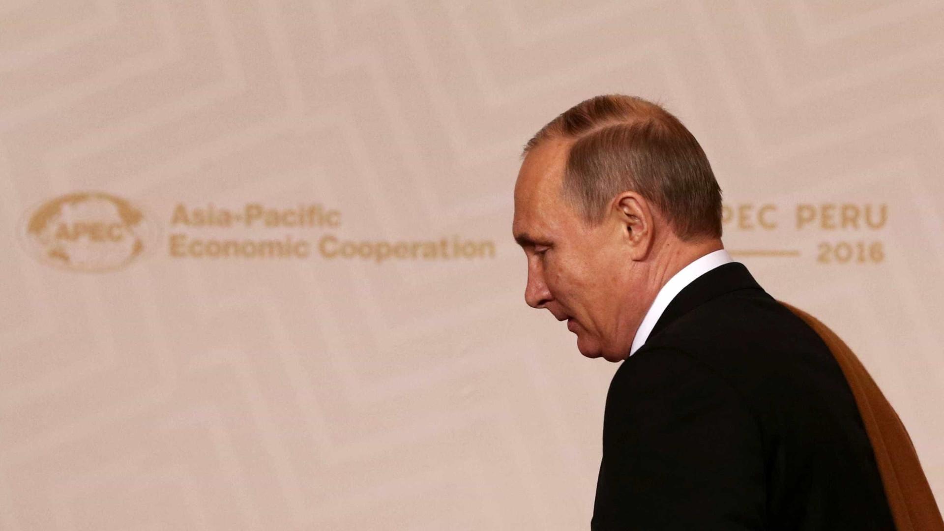 Putin sobre Trump: 'Há diferença entre retórica  eleitoral e política'