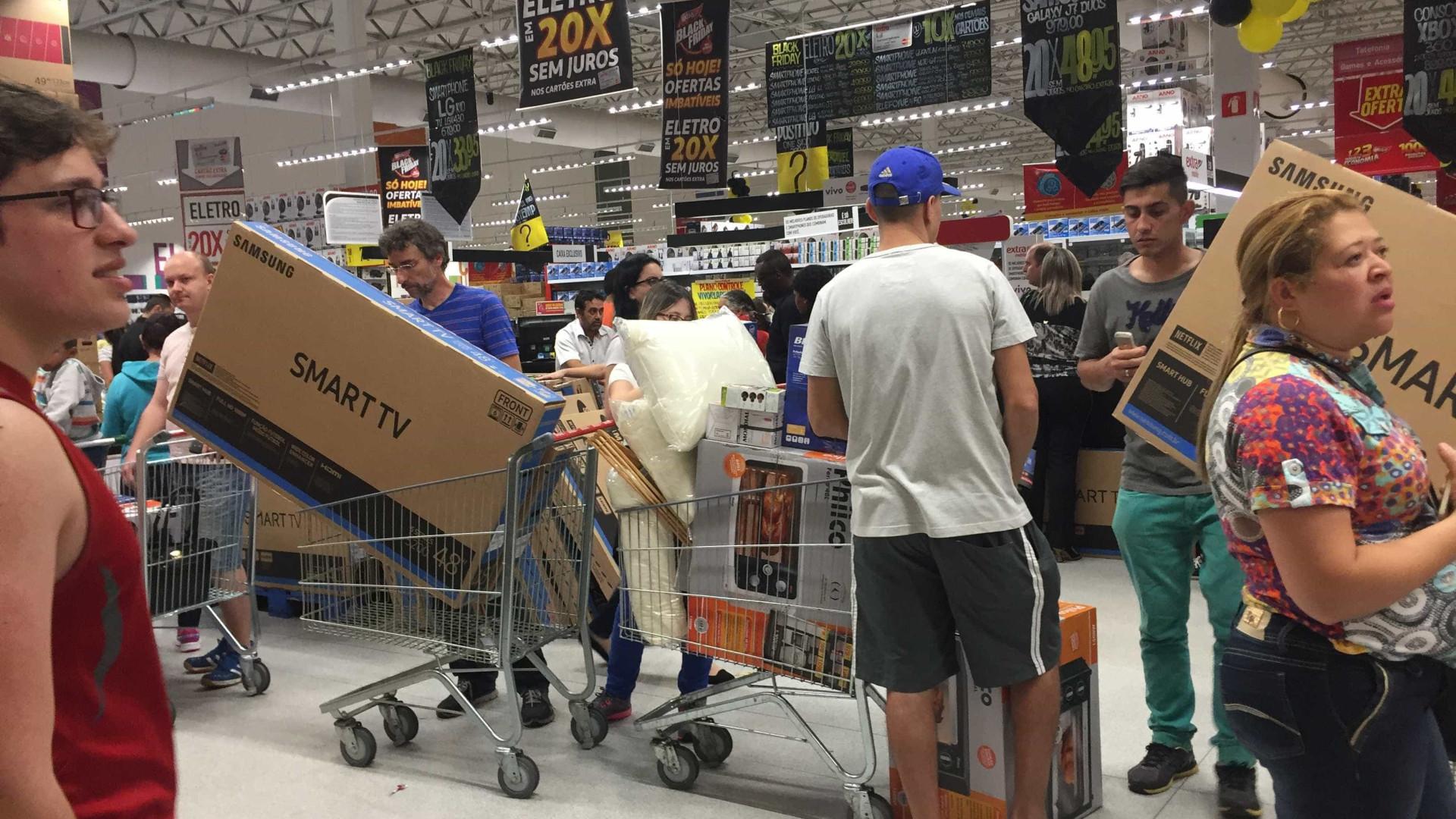 Lojas vendem produtos 'fora da caixa' com desconto de até 40%