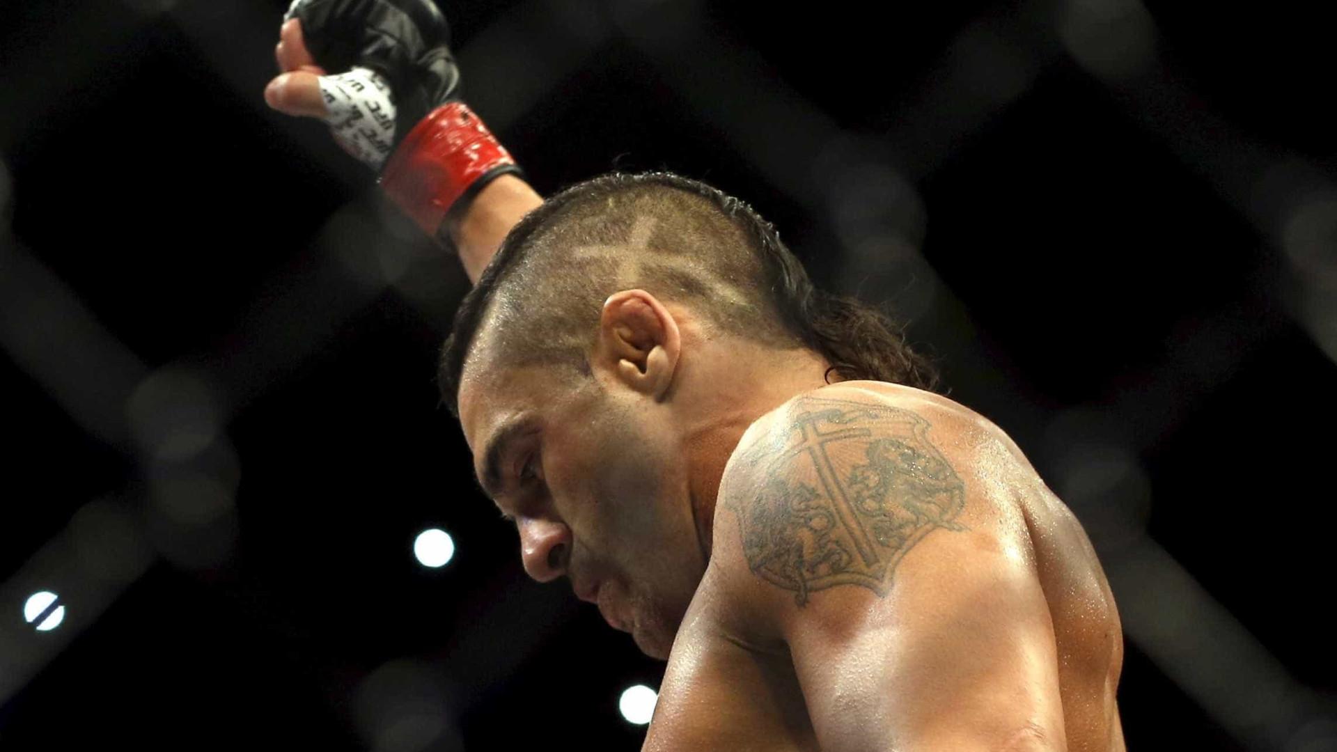 Vitor Belfort confirma luta do adeus contra 'amigo' Lyoto no UFC Rio